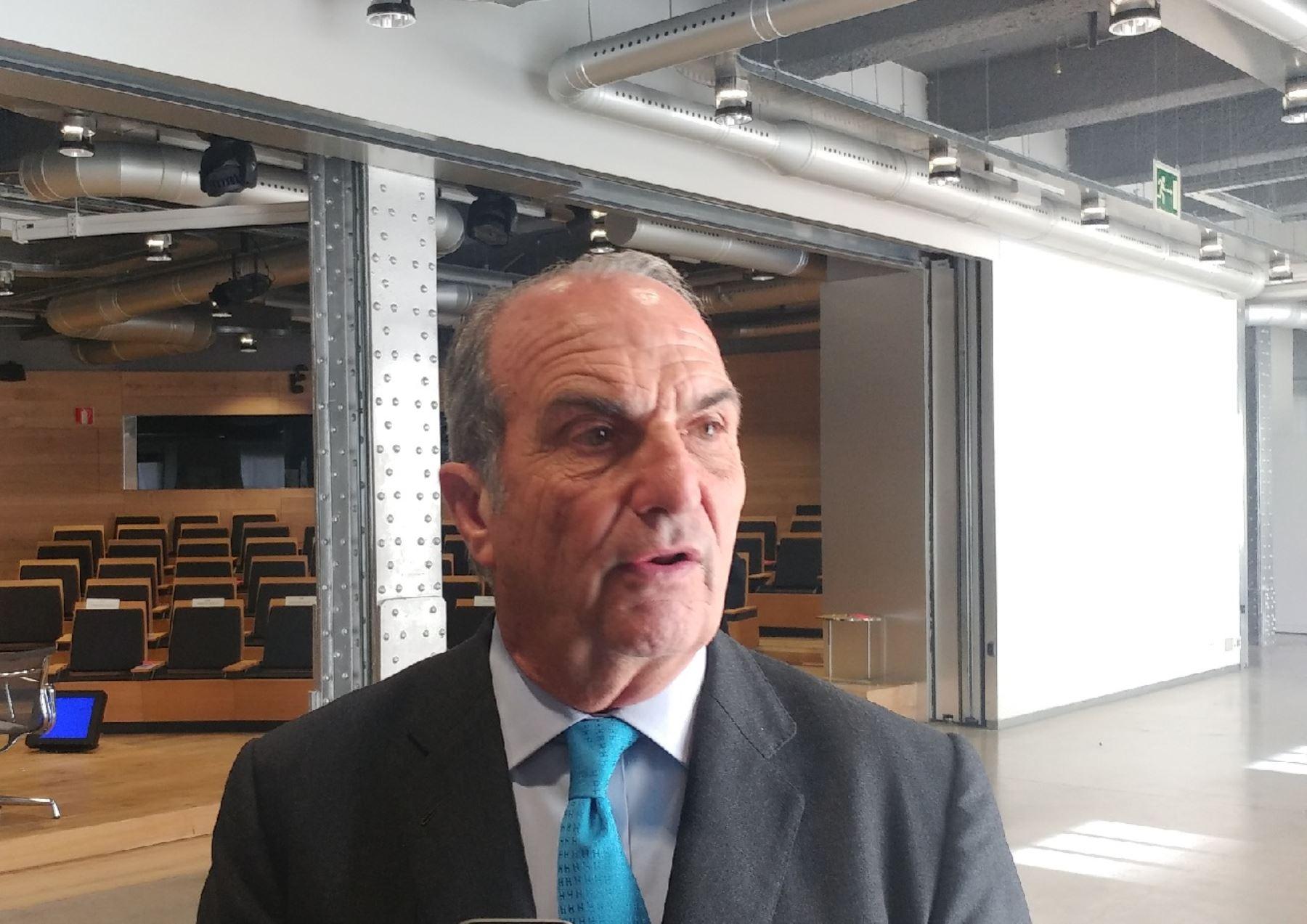 Vicepresidente de la Confederación Española de Organizaciones Empresariales  (CEOE), Joaquín Gay de Montellá, Foto: Andina.