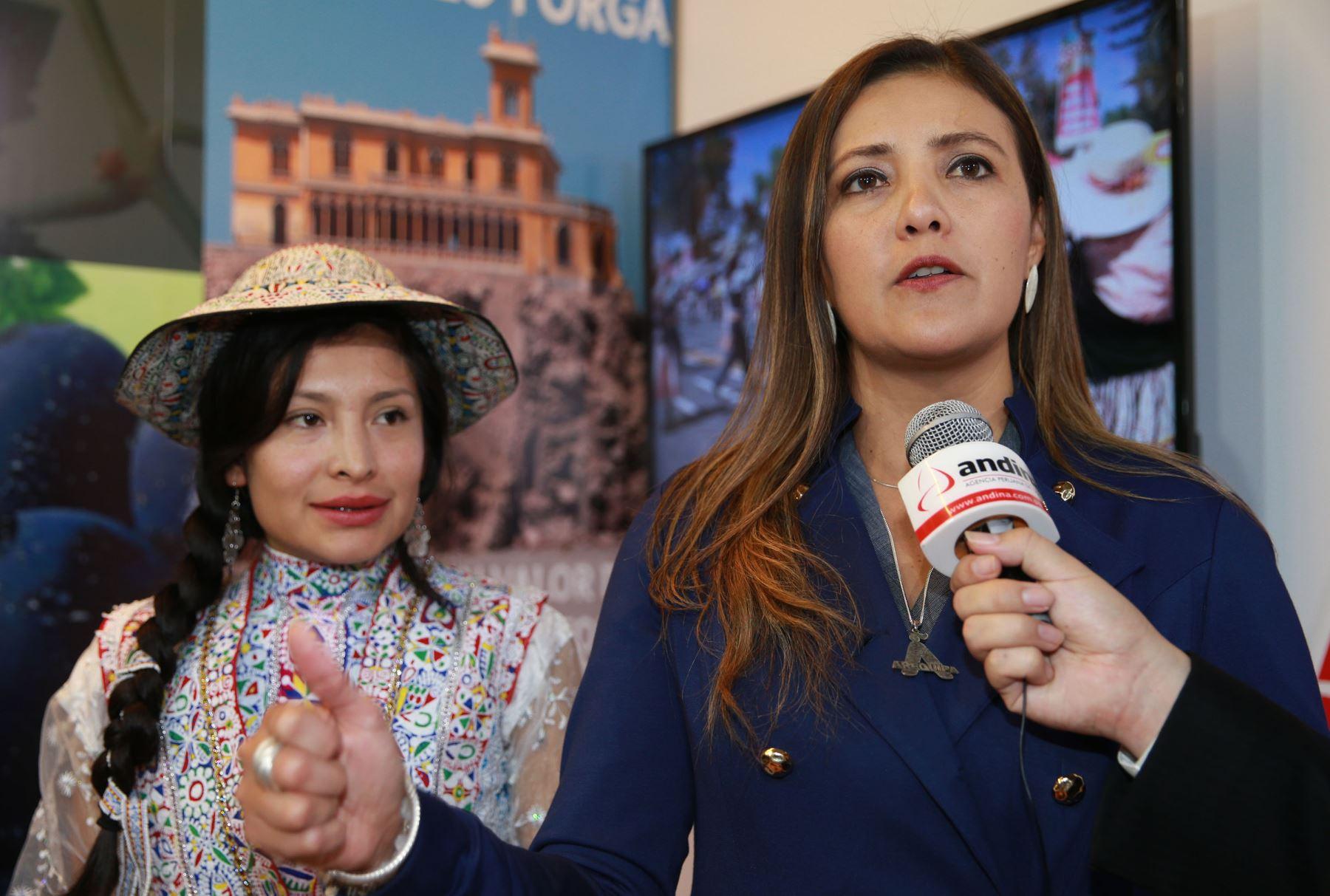 Gobernadora regional Yamila Osorio desea éxitos a Gobierno de Martín Vizcarra. ANDINA/Norman Córdova