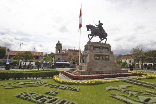 Ayacucho será la primera Ciudad Cultural del Bicentenario, anuncia ministro de Cultura, Rogers Valencia. ANDINA/Difusión