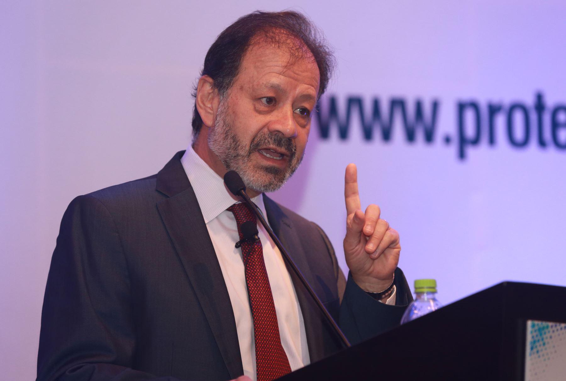 Augusto de la Torre, miembro de la Comisión de Protección Social. ANDINA/Norman Córdova