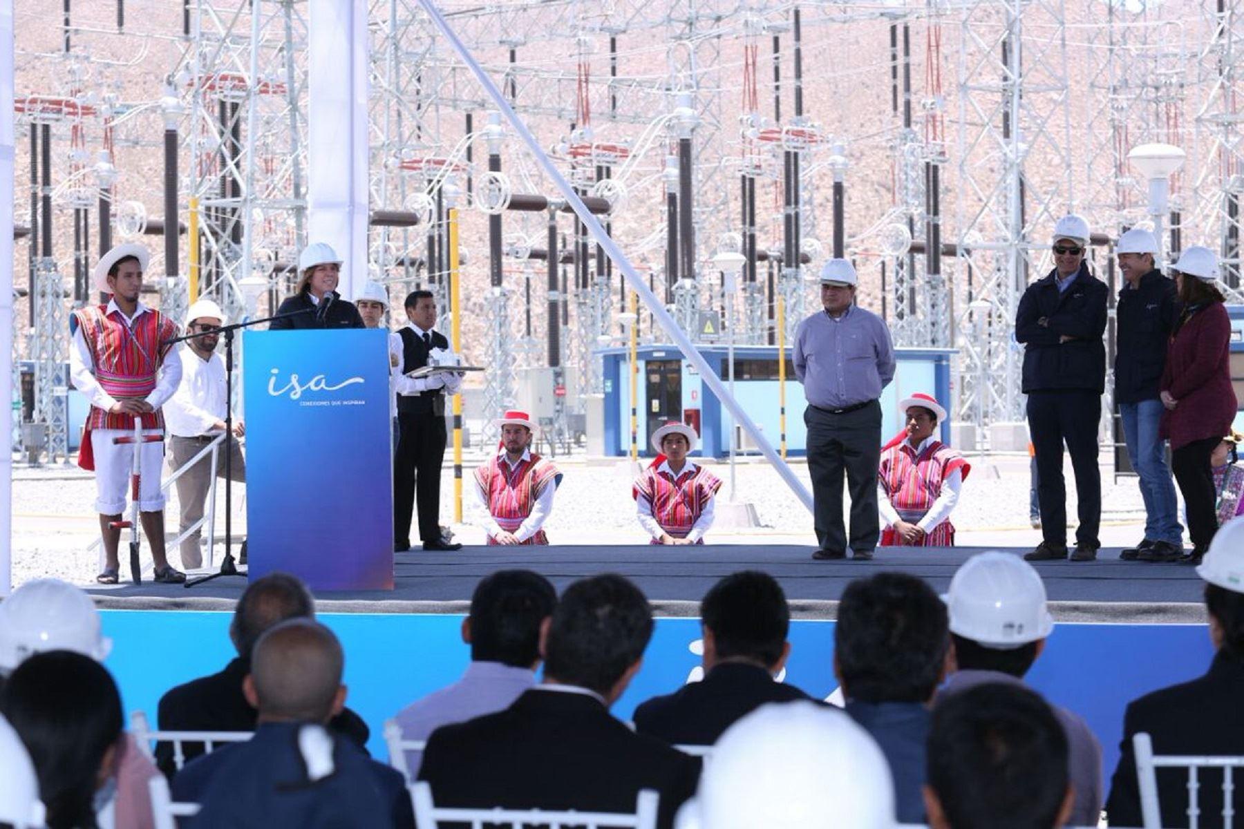 Ministra de Energía y Minas, Cayetana Aljovín, inauguró nueva línea de transmisión eléctrica en Arequipa. ANDINA/Difusión