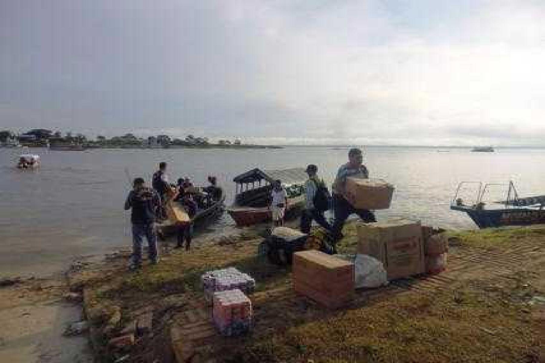 Intendencia de Aduanas de Iquitos realizó  operativo a embarcaciones fluviales pequeñas ubicadas en puertos o embarcaderos informales a orillas de los ríos Nanay e Itaya.