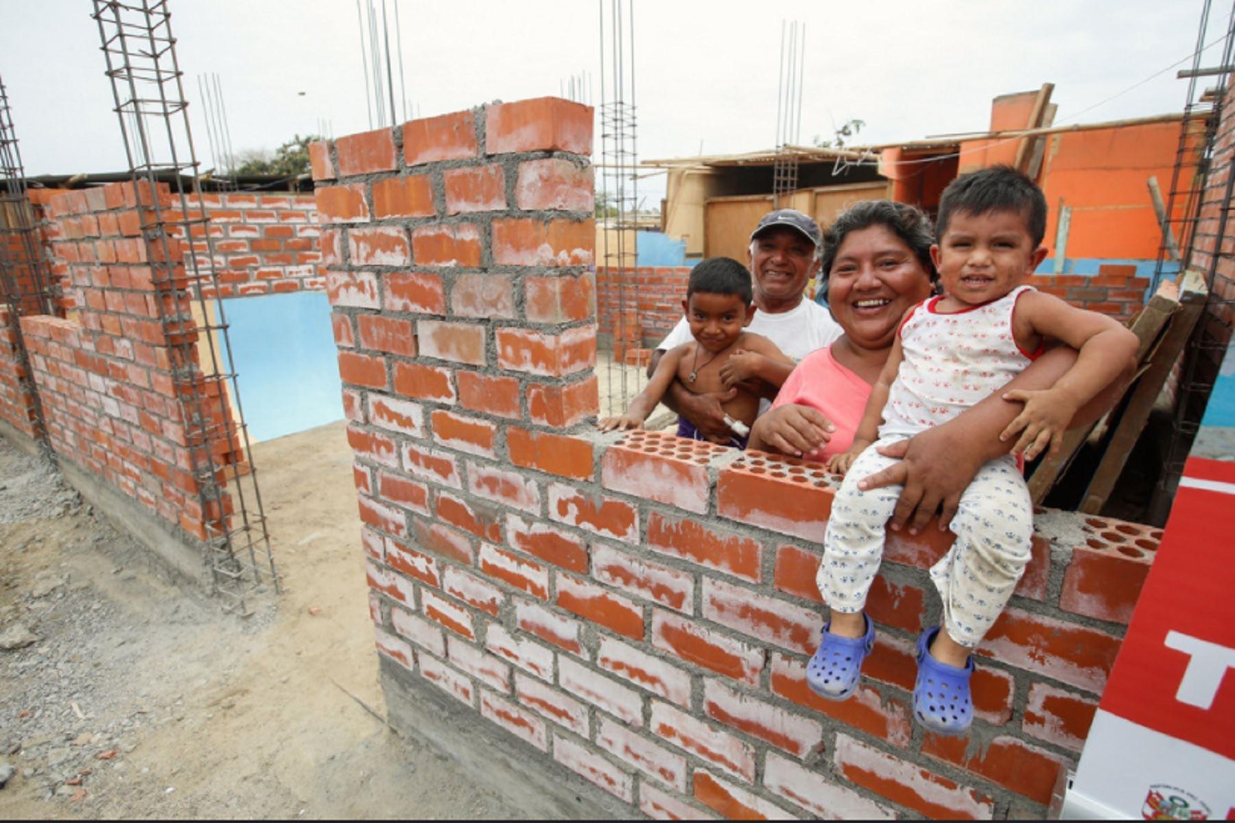Más de 2, 000 familias asentadas en Cura Mori se beneficiarán con la construcción de un nuevo conjunto habitacional.