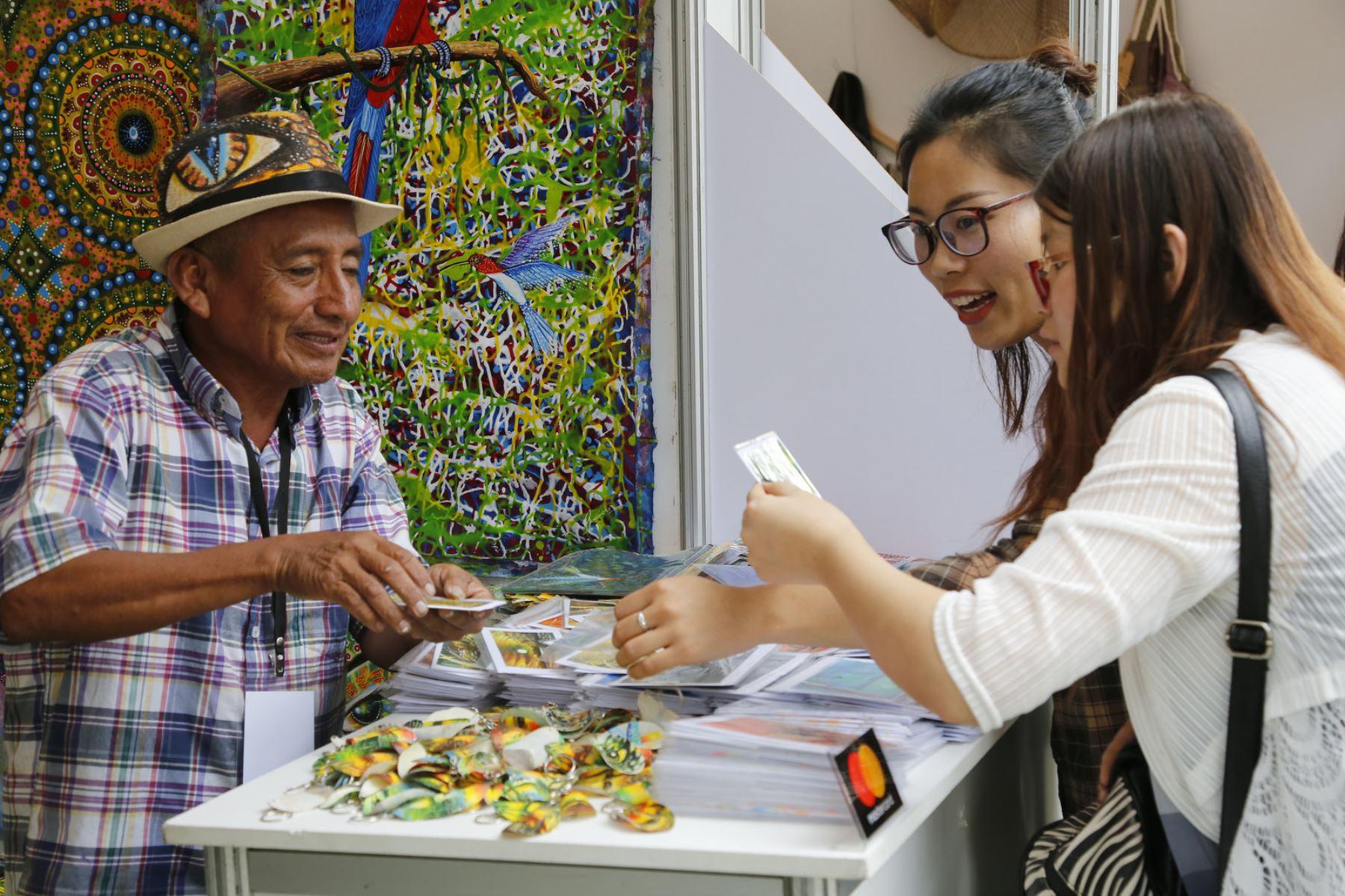 """Este domingo concluye Feria de Artesanía """"Arte Nativa 2017"""" en Miraflores. Foto: ANDINA/Difusión."""