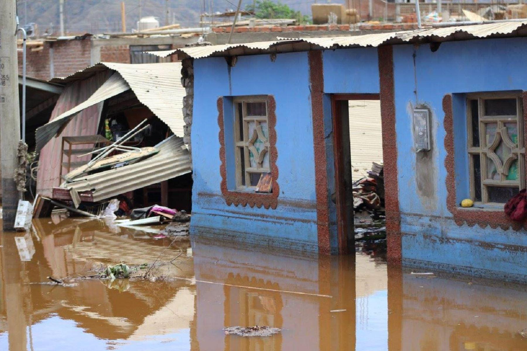 Municipalidad del Santa envía primera lista de 260 postulantes a Bono 500 que se otorgará a damnificados por El Niños costero. ANDINA