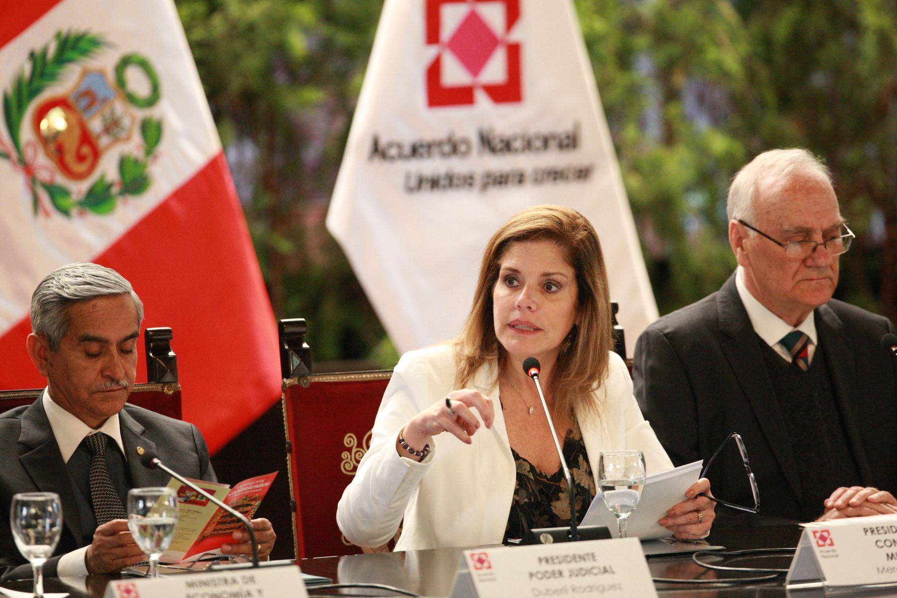 2017. La segunda vicepresidenta de la República, Mercedes Aráoz, se encuentra al frente de la Presidencia del Consejo de Ministros y tiene un rol preponderante en el Ejecutivo.