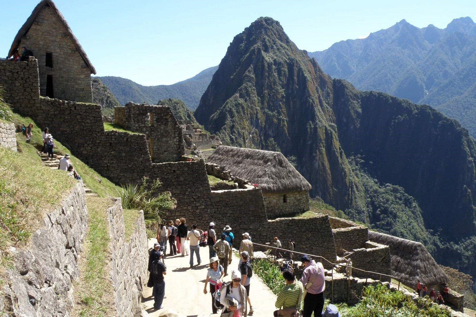 La imponente belleza de Machu Picchu seduce a los turistas. ANDINA/Percy Hurtado Santillán