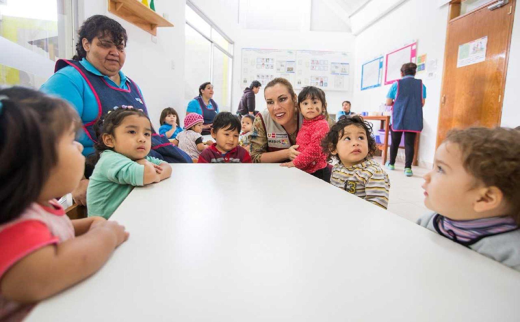 La anemia en Ayacucho se redujo de 52.8% en 2016 a 47.2% en 2017, siendo el compromiso reducir cinco puntos para el 2018, sostuvo hoy la ministra de Desarrollo e Inclusión Social, Fiorella Molinelli, durante su visita el distrito de Chuschi, provincia de Cangallo