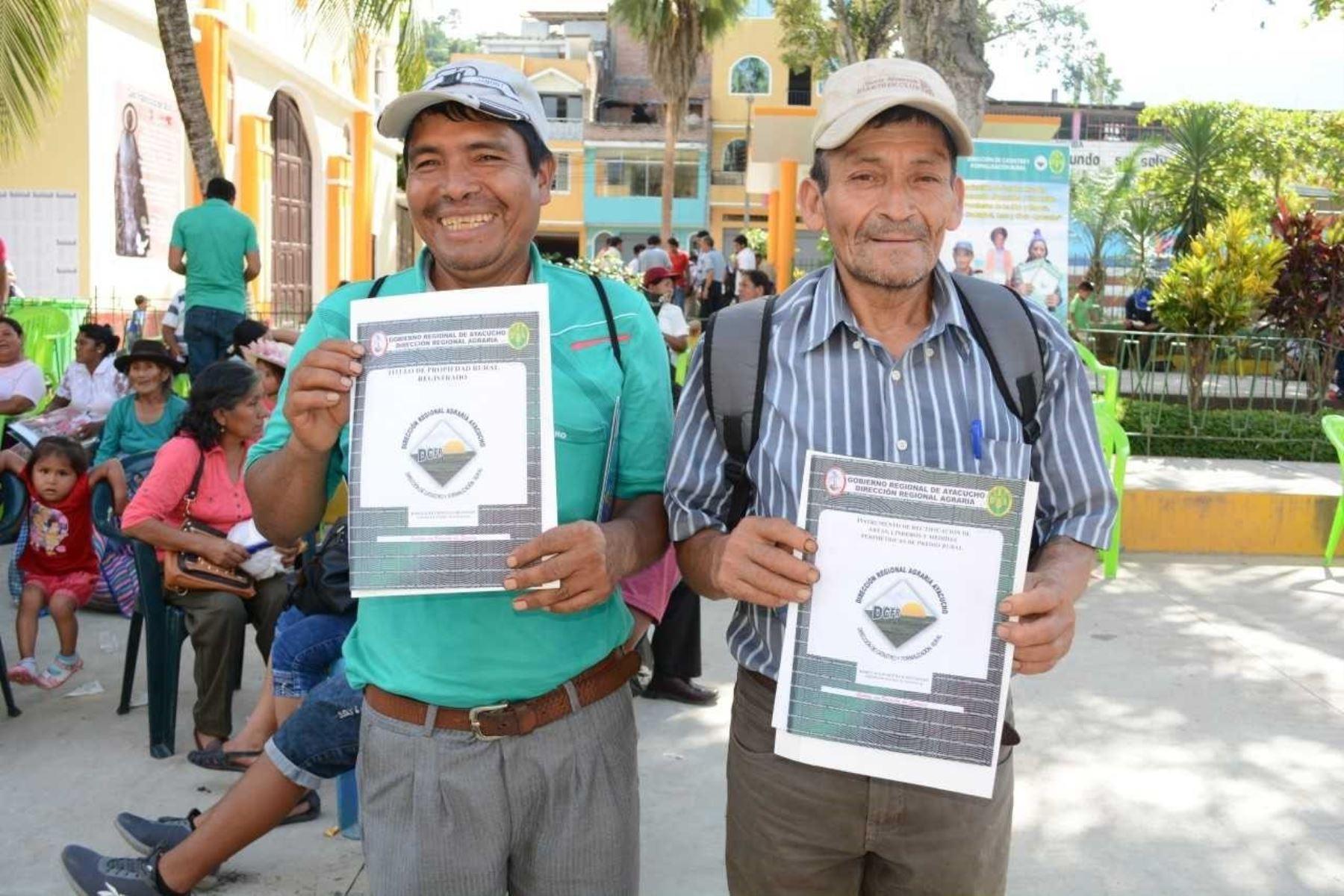 En mesa de trabajo evalúan titulación de tierras rurales en el país. ANDINA/Difusión