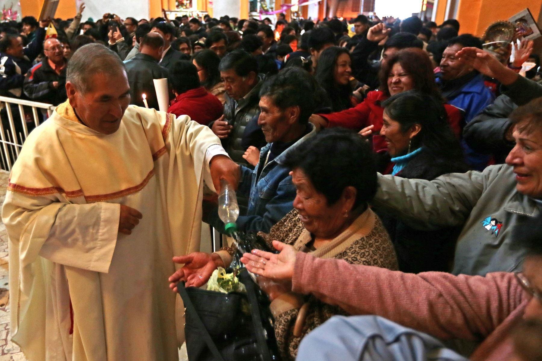 Puneños se preparan para viajar a Puerto Maldonado para Encuentro con Papa Francisco. ANDINA/archivo