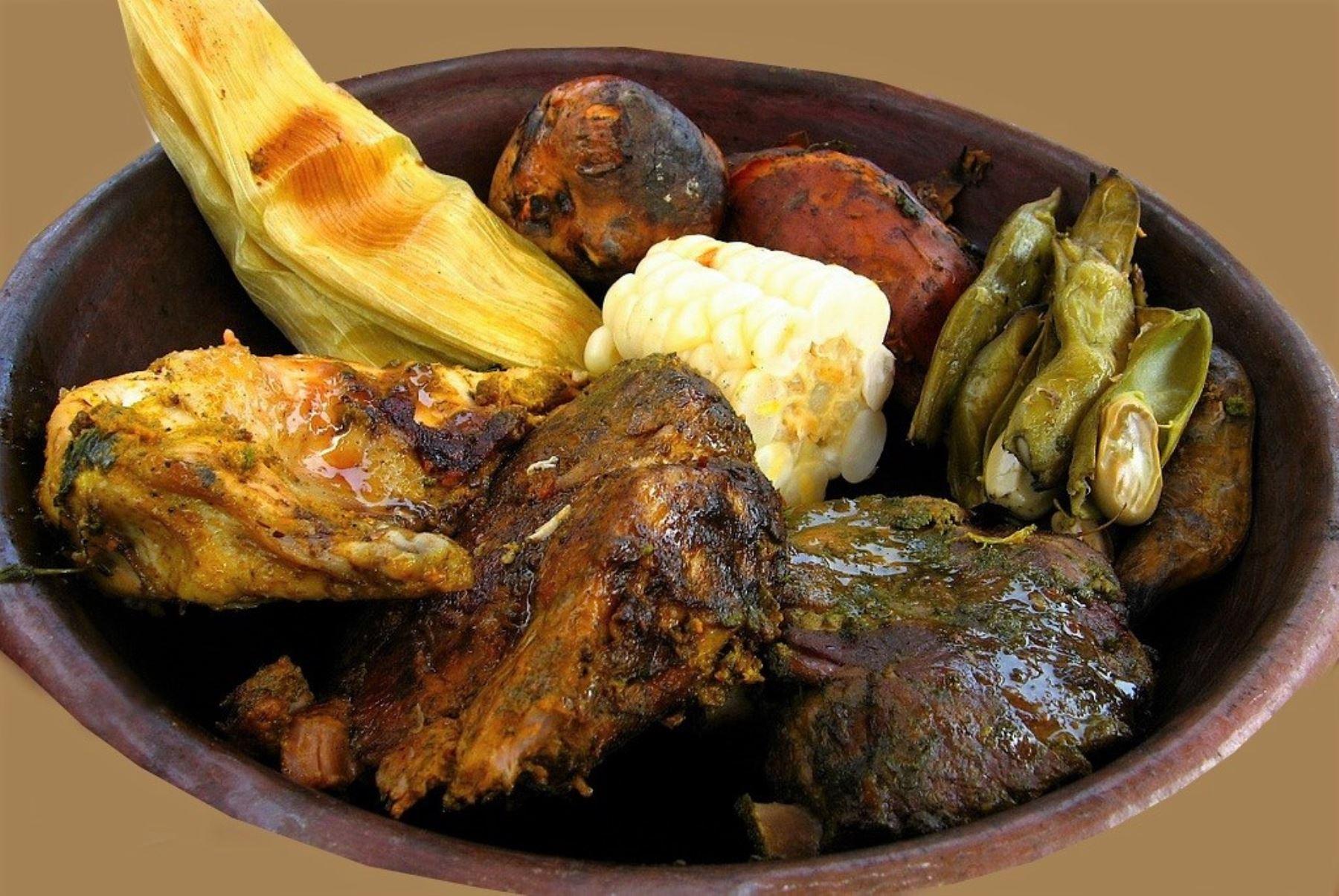 El Día Nacional de la Pachamanca fue instituido cada primer domingo de febrero, con el propósito de revalorar a este plato tradicional y emblemático, de raíces culturales ancestrales, que se elabora en varias regiones del Perú. ANDINA/archivo
