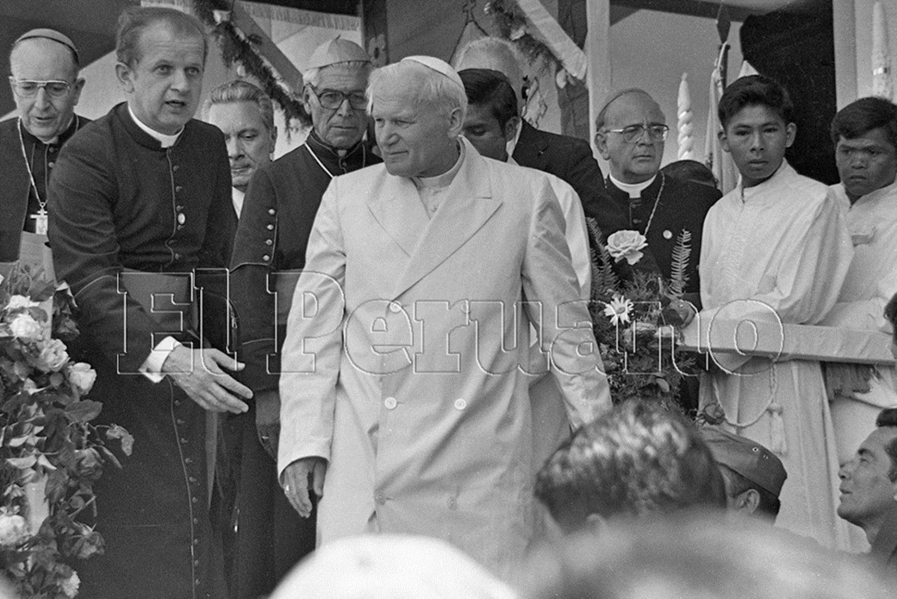 Ayacucho (1985) Durante su mensaje, el Santo Padre rechazó la violencia y se solidarizó con el pueblo ayacuchano.