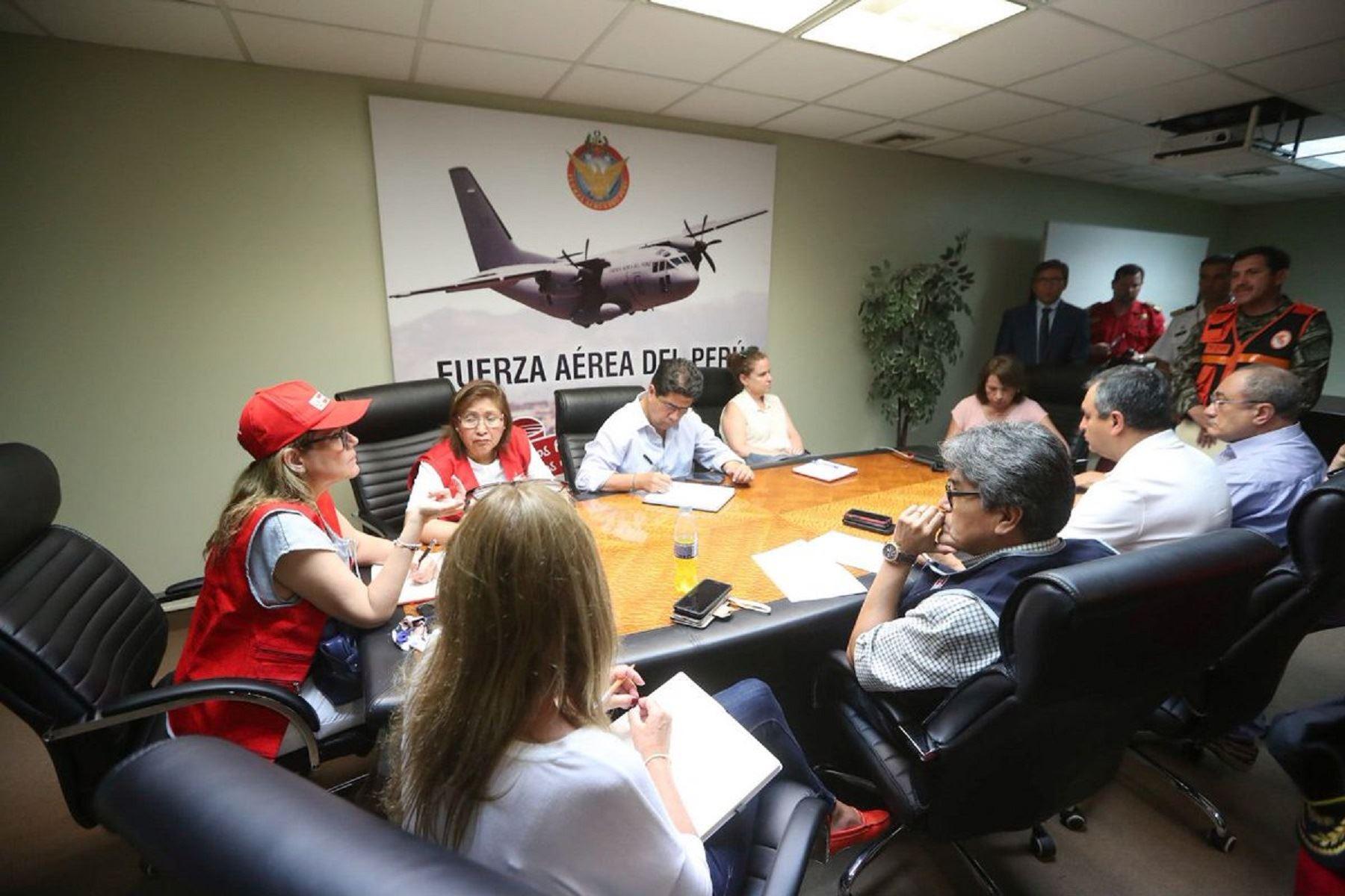 Jefa del Gabinete, Mercedes Aráoz, se reunió con diversos ministros para coordinar acciones de atención de damnificados por último sismo en Arequipa.