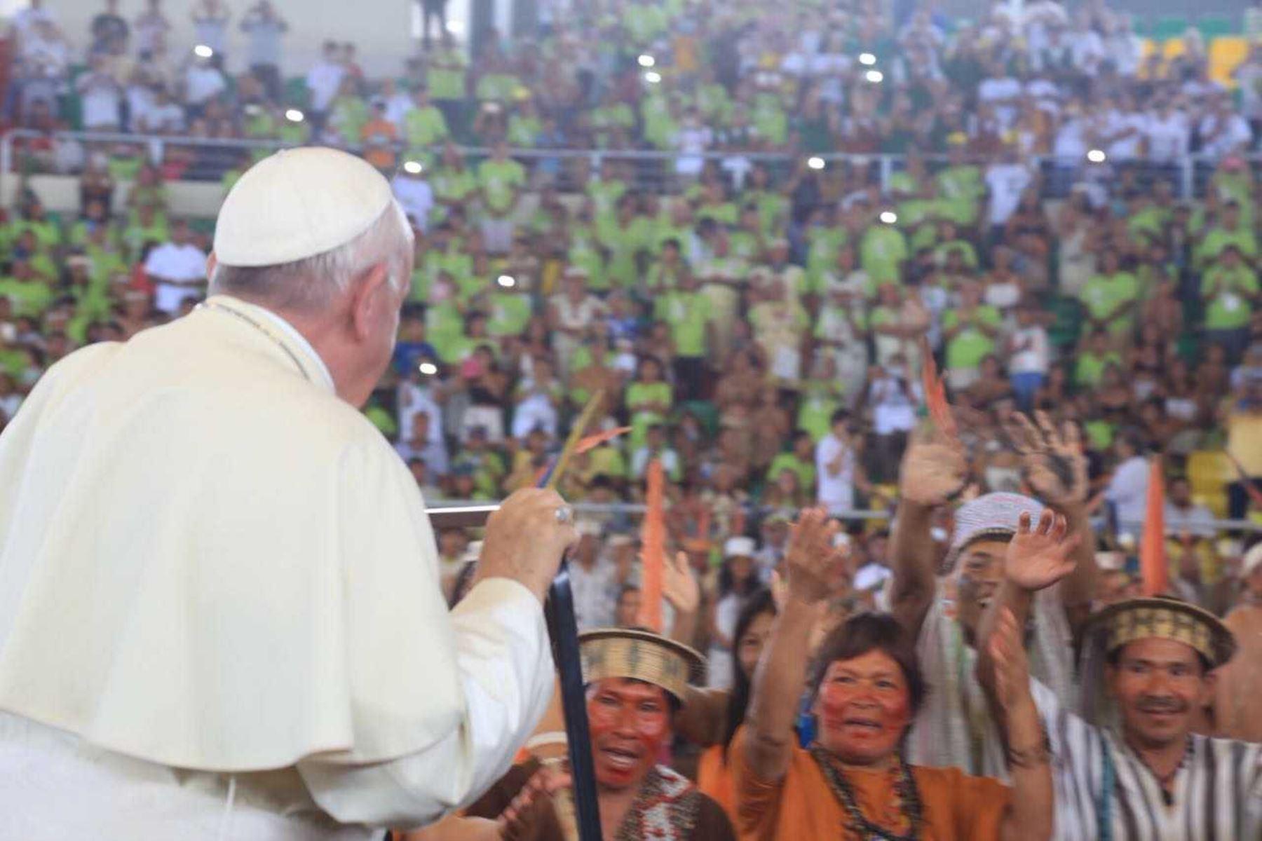 Papa Francisco se reunió en enero pasado con pueblos indígenas en Madre de Dios y pidió preservar las lenguas originarias. ANDINA/Difusión