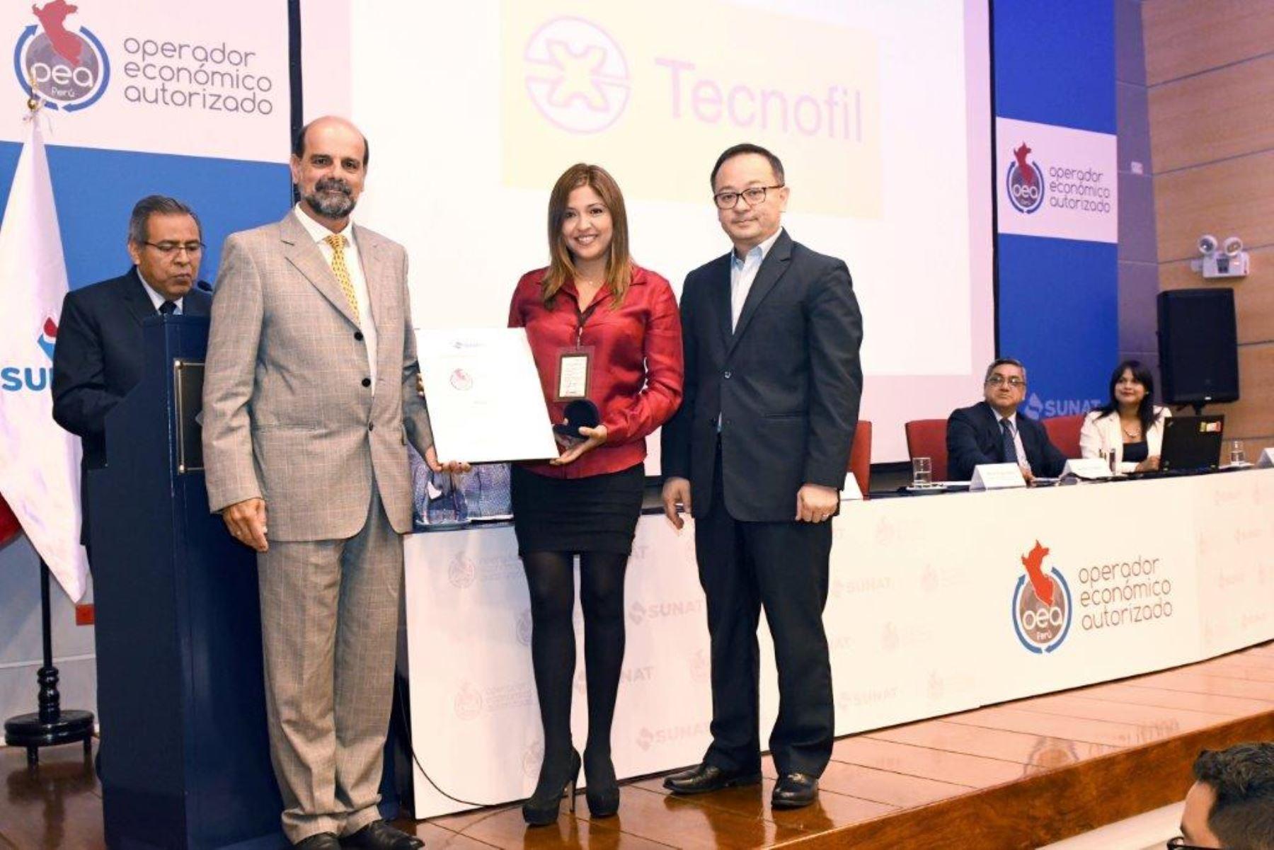 Sunat acredita a nuevo Operador Económico Autorizado. Foto: Cortesía Sunat.