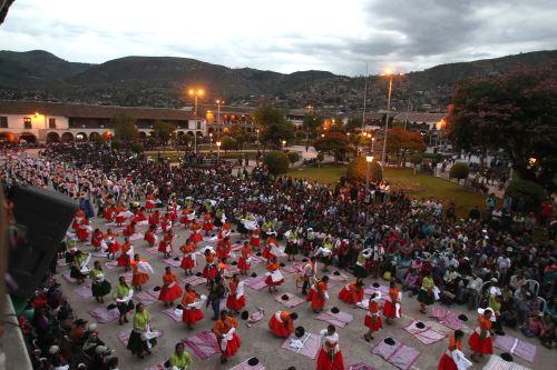 Un festivo pasacalle antecederá a la ceremonia de lanzamiento de la Agenda Bicentenario en Ayacucho. ANDINA/archivo