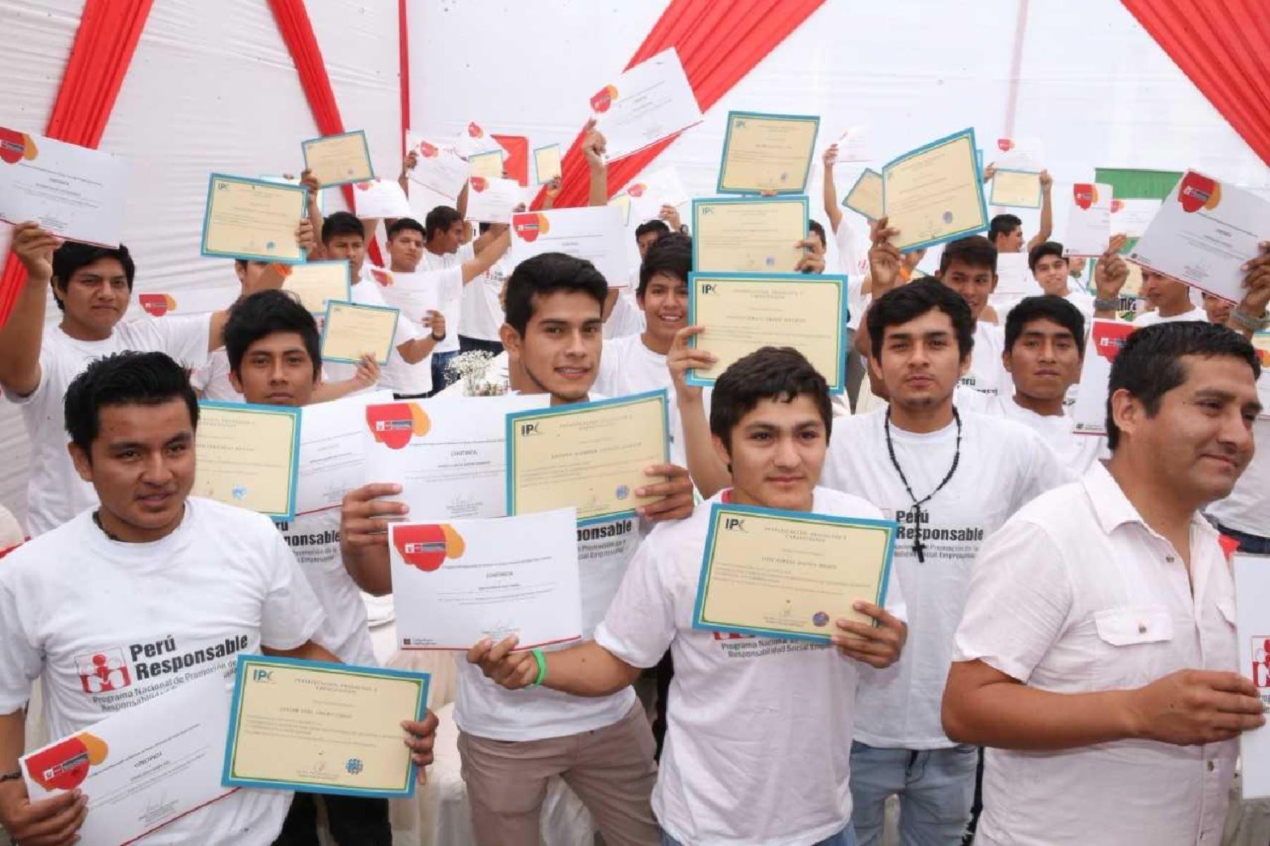 Se logró insertar laboralmente a 45 jóvenes de la ciudad de Chiclayo, quienes trabajarán como instaladores de gas natural en la empresa Comercializadora S & E Perú SAC.