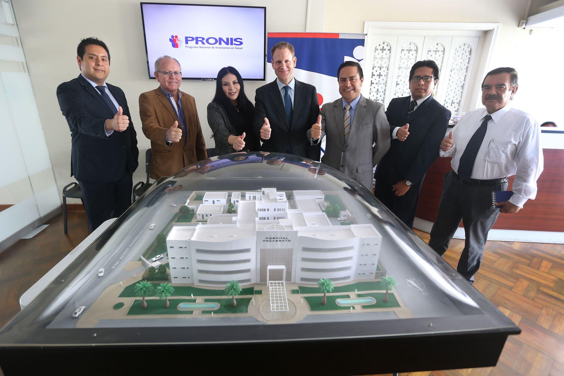 Firman contrato para construcción de nuevo hospital en Pacasmayo, en La Libertad.