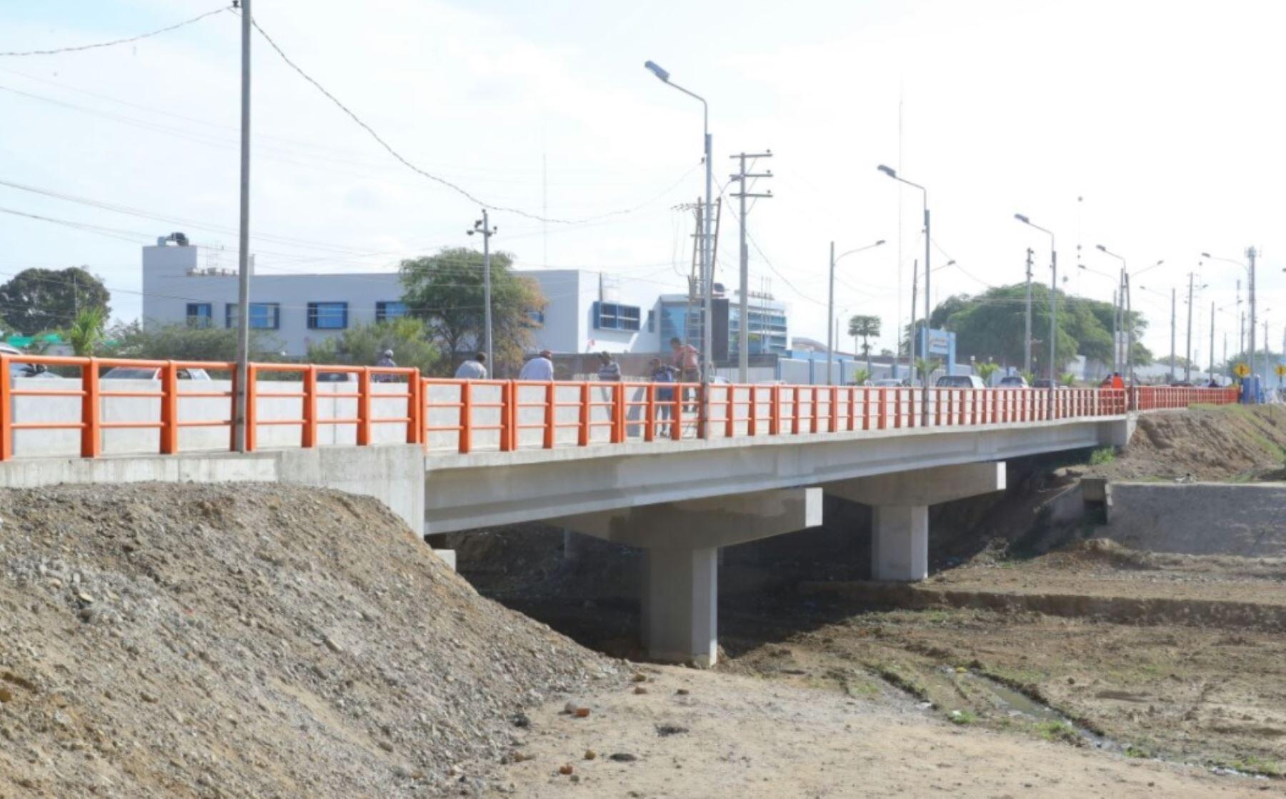 Ampliación de puente Héroes del Cenepa mejora conectividad regional y fronteriza en Tumbes.
