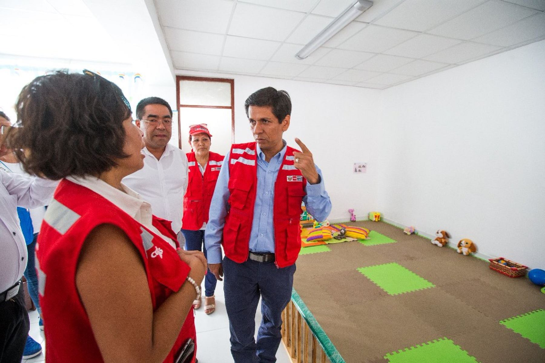 Ministro de Desarrollo e Inclusión Social, Jorge Meléndez, inaugura dos centros Cuna Más en la región Ica.