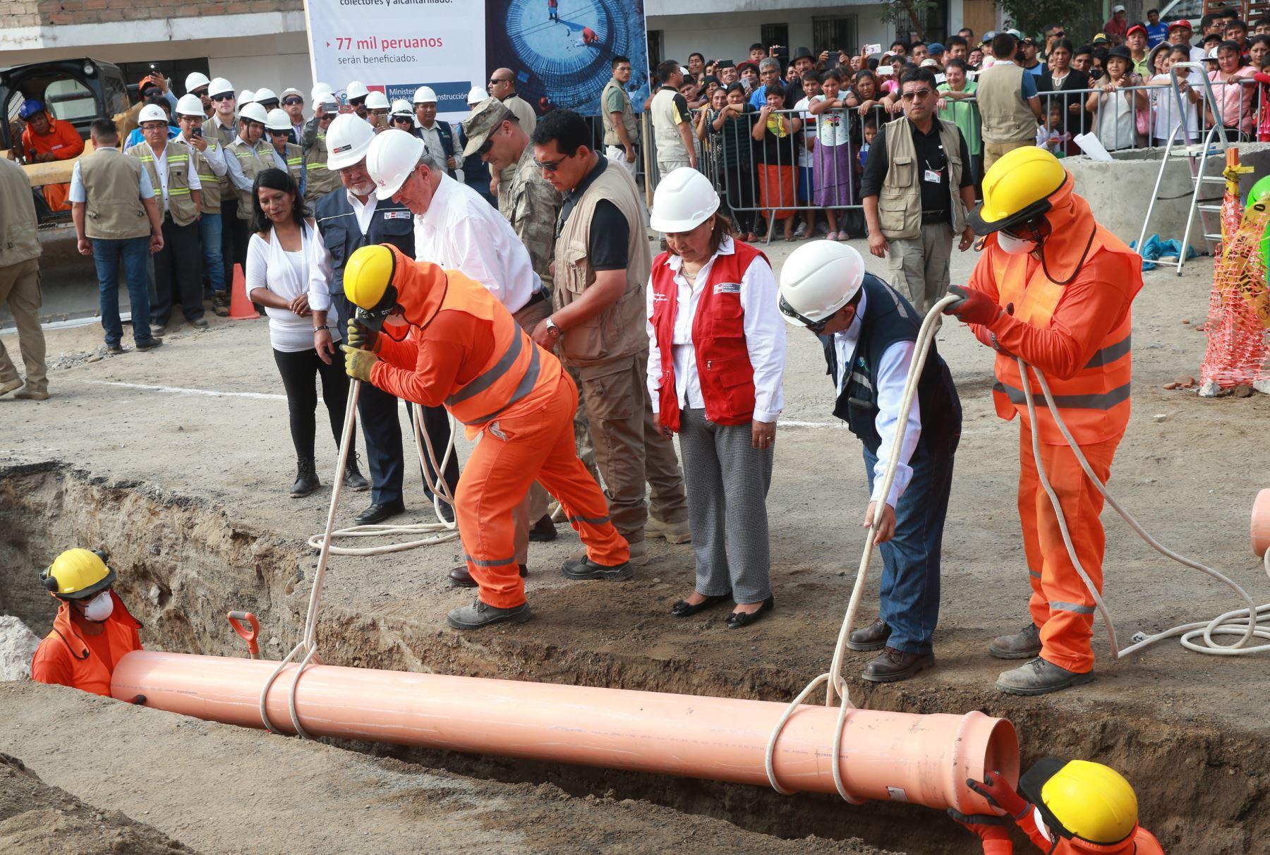 Obras de redes de agua potable en Lima.Foto:  ANDINA/Norman Córdova.
