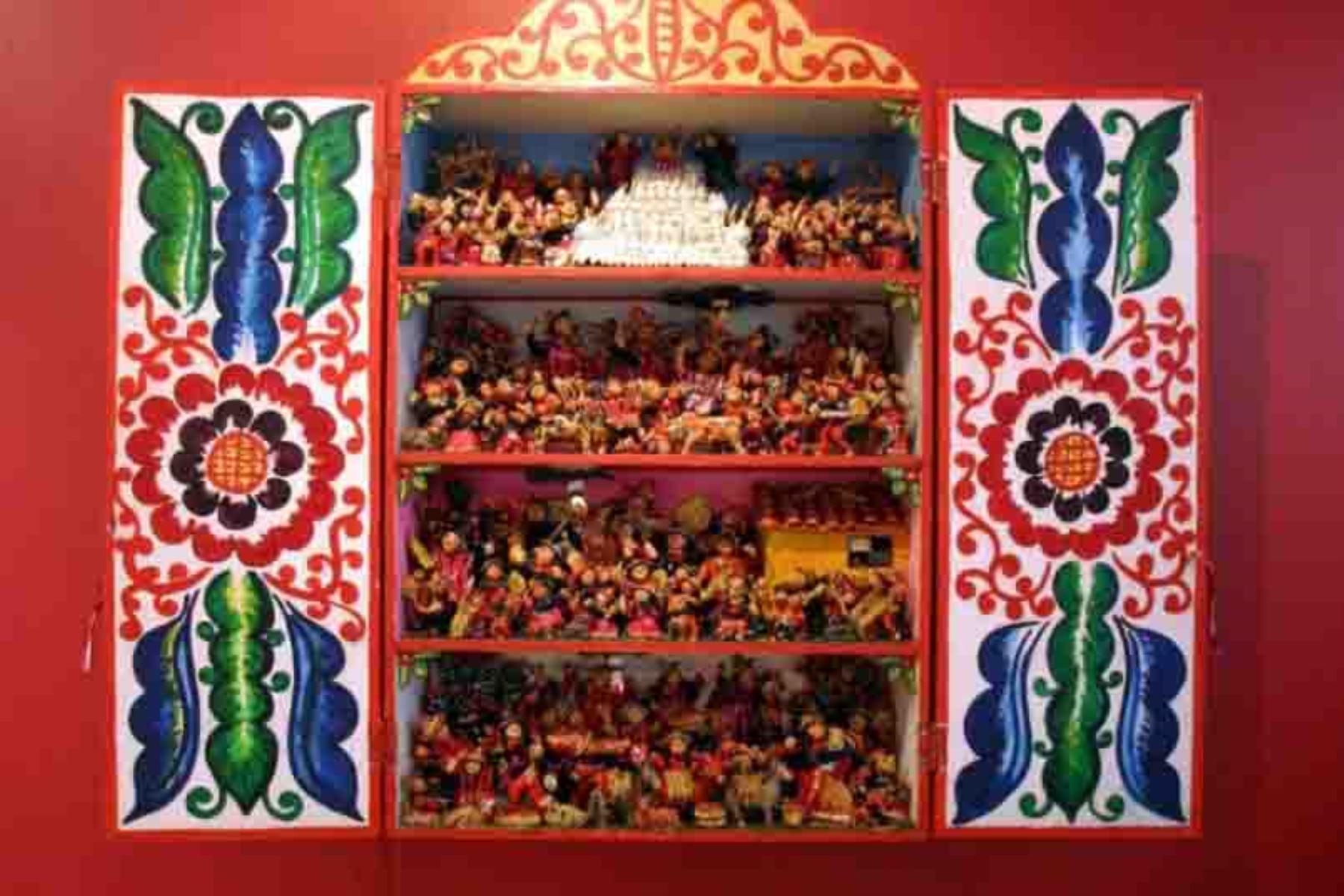 El Ministerio de Cultura declaró Patrimonio Cultural de la Nación a los conocimientos, las técnicas y la iconografía asociadas a la producción del retablo ayacuchano. Foto: ANDINA/Difusión
