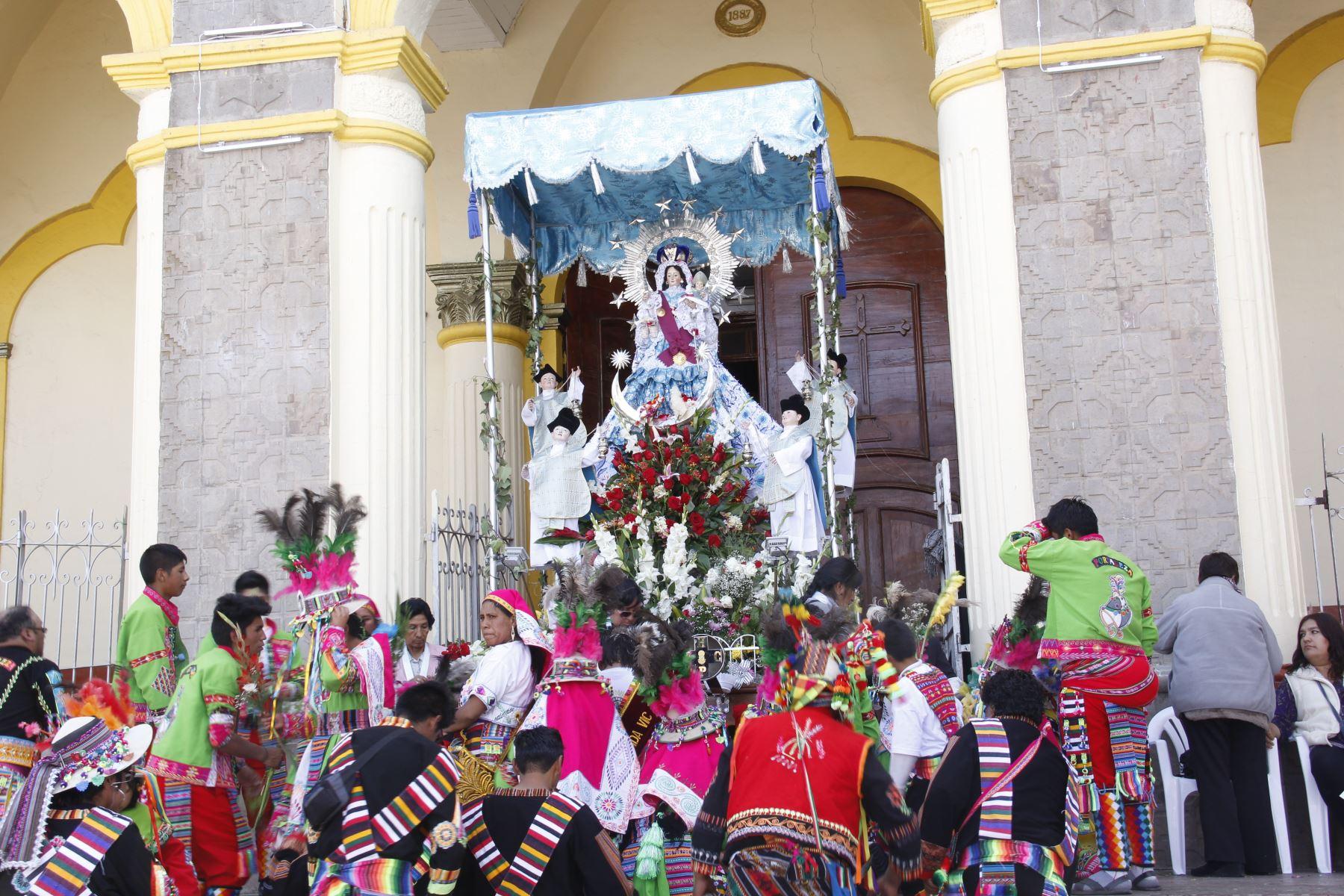 Virgen de la Candelaria: autoridades y población participan de solemne misa y procesión. ANDINA