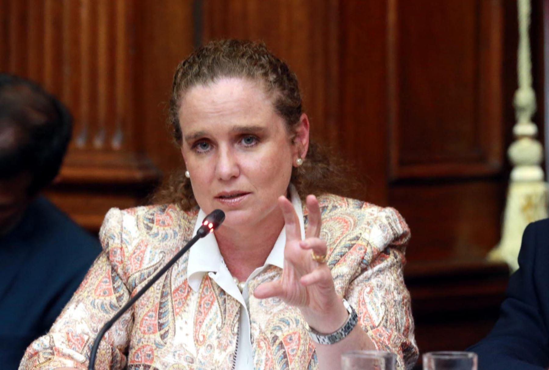 Ministra de Economía y Finanzas, Claudia Cooper. ANDINA/Norman Córdova