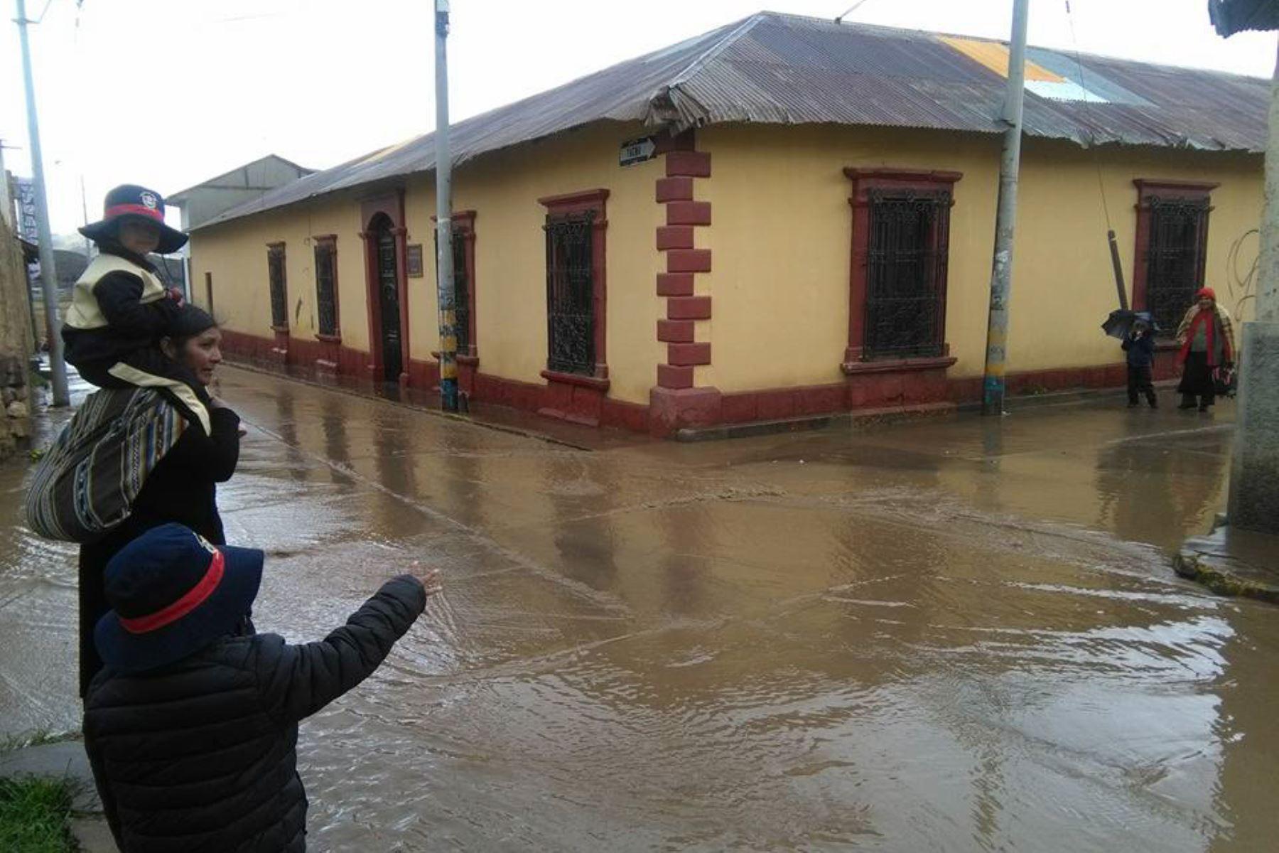 Lluvias intensas inundan y afectan poblados y vías en cinco distritos de Puno. ANDINA
