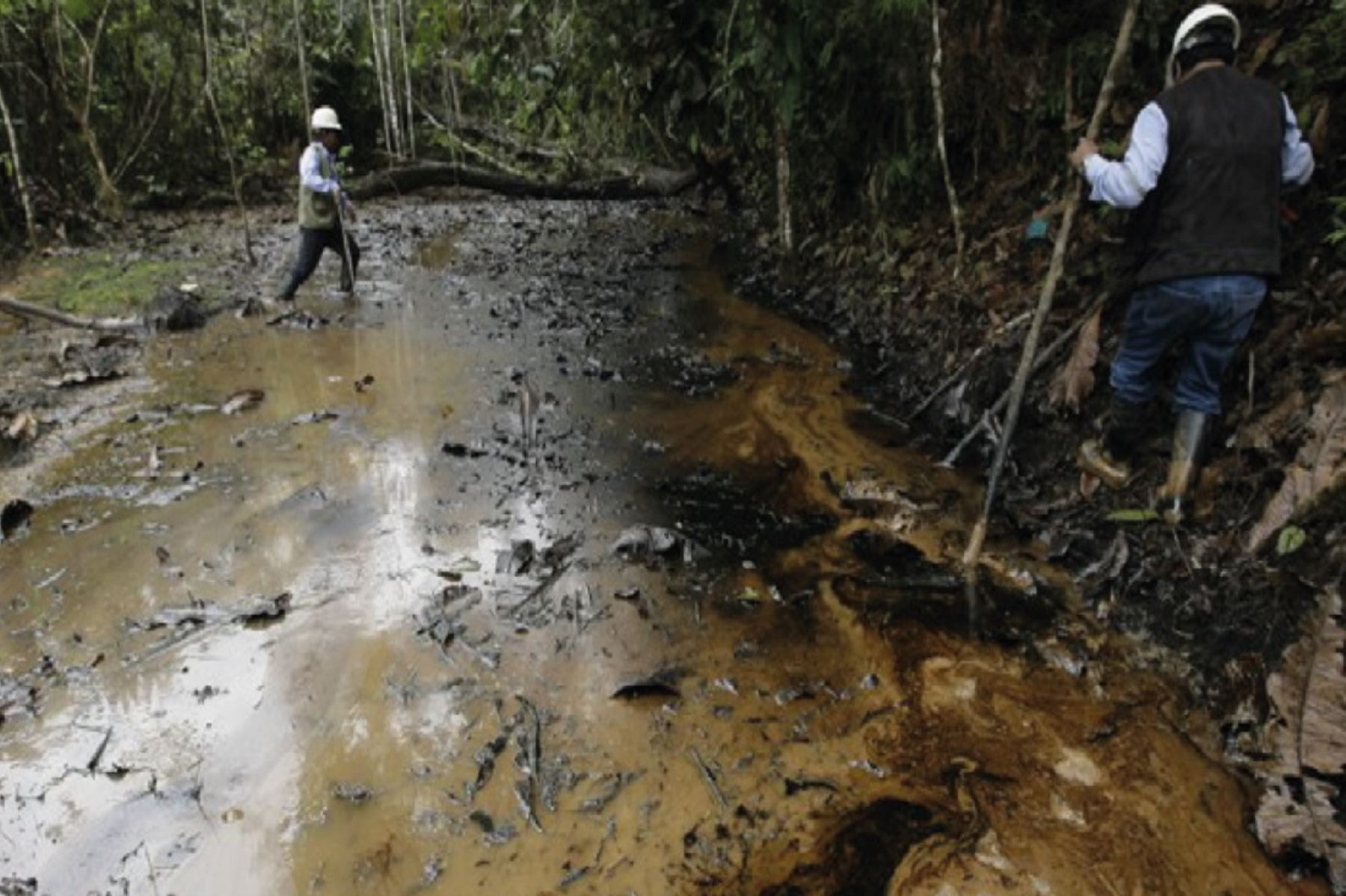 Osinergmin investiga las causas del derrame de petróleo para determinar responsabilidades.