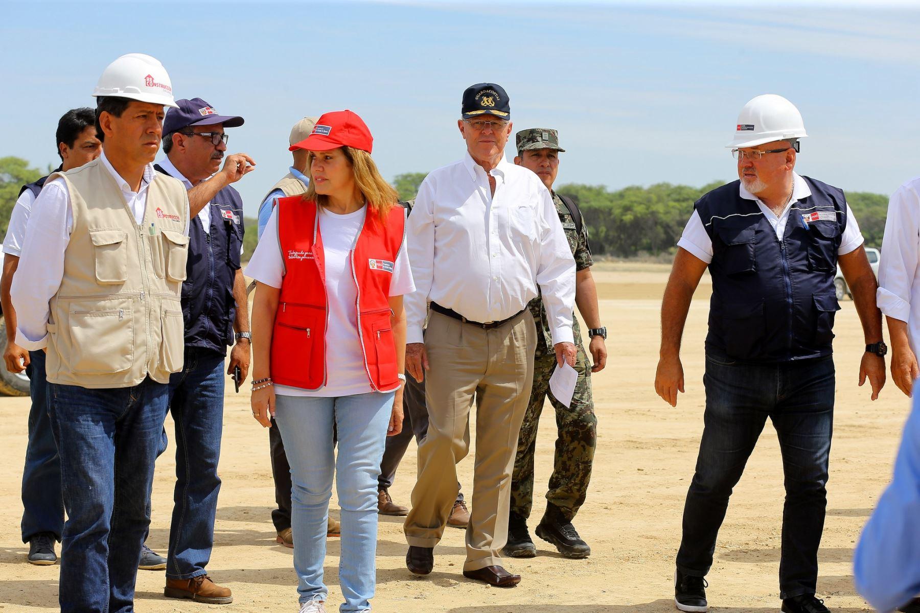 Presidente Pedro Pablo Kuczynski realiza visita inopinada a PTAR San Martín, en Piura.