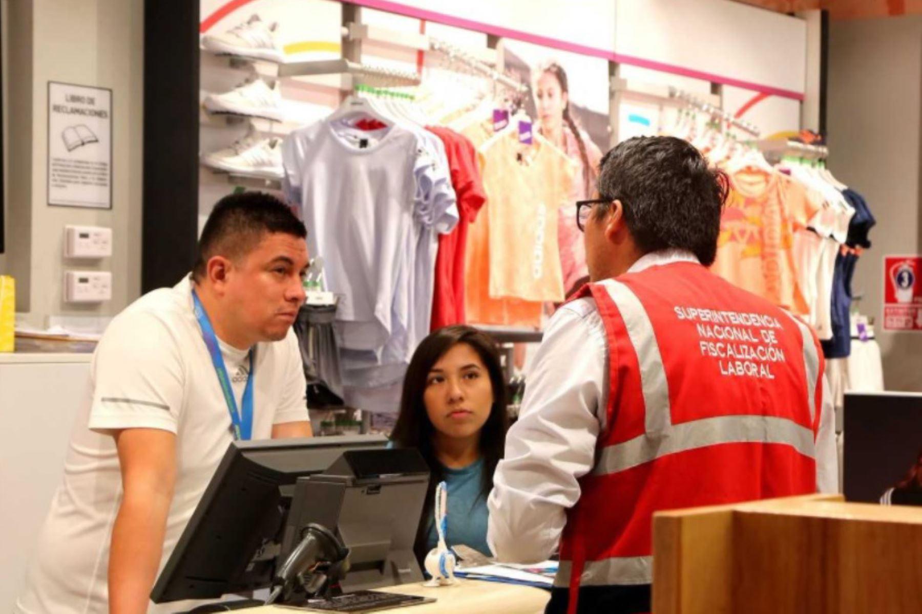 Sunafil brinda orientación para evitar discriminación salarial en el trabajo por género. ANDINA/Difusión