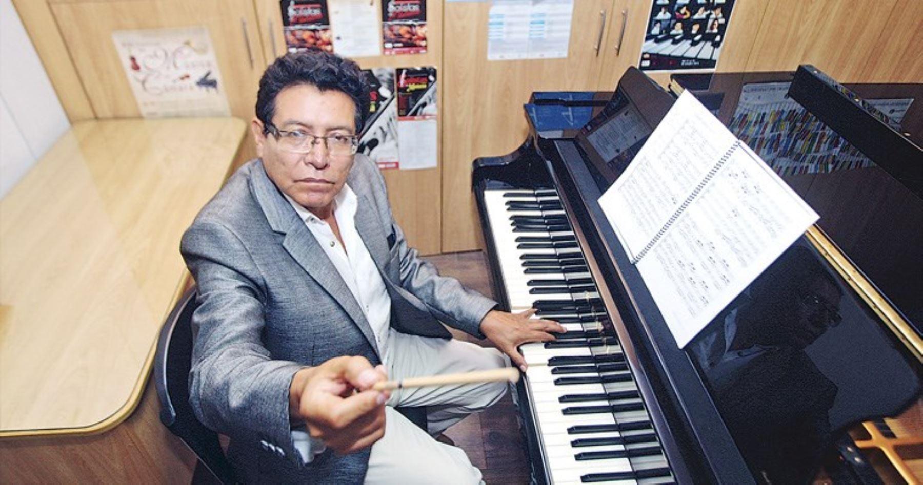Músico, director de coros y orquestas, Wilfredo Tarazona Padilla, sostiene que niños, niñas y adolescentes tiene habilidades musicales que pueden desarrollar. Es responsable de exitoso programa Orquestando del Minedu.