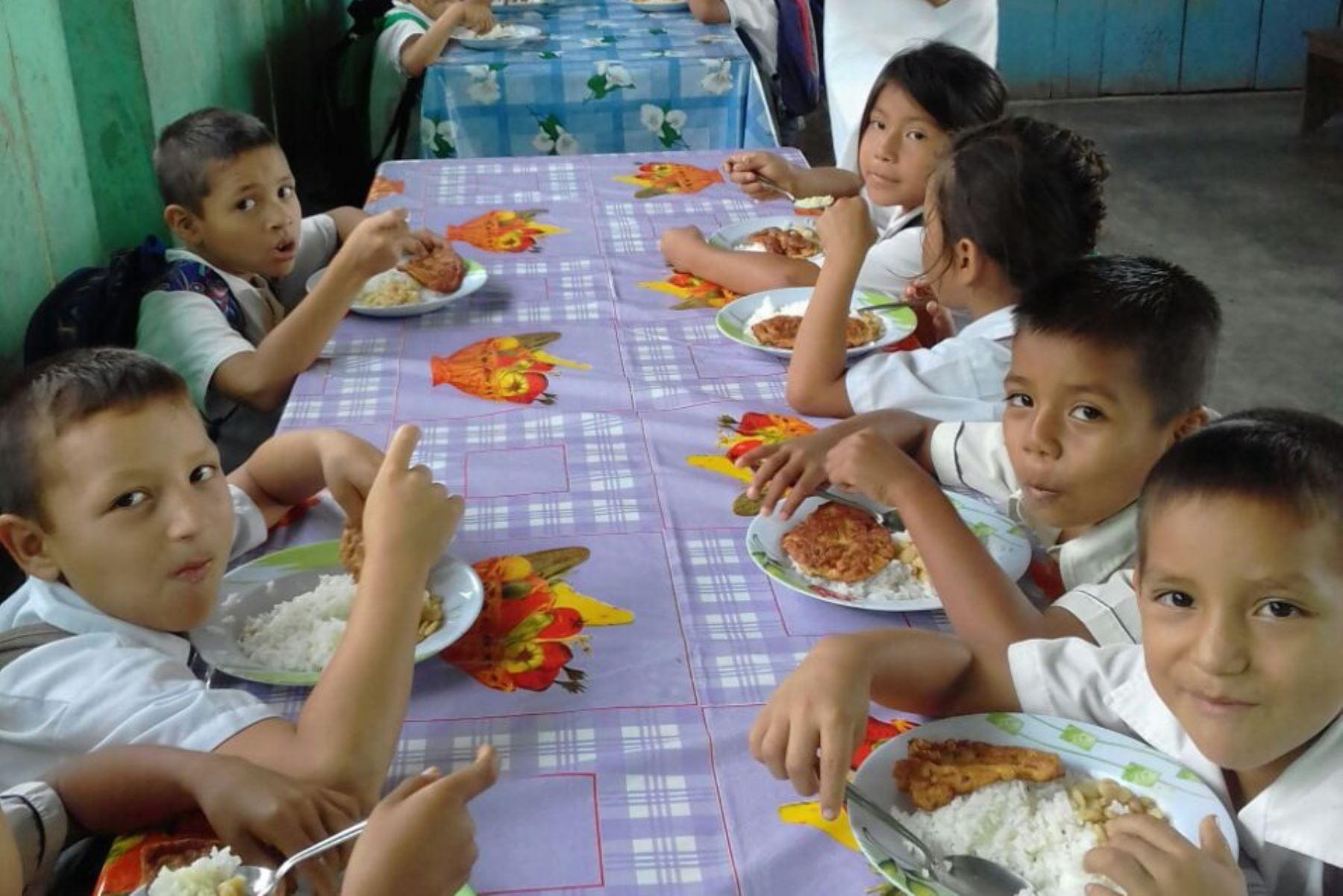 El 12 de marzo se iniciaron las clases a escala nacional y, desde ese entonces, el Programa Nacional de Alimentación Escolar Qali Warma brinda servicio alimentario de calidad a 3 millones 769,799 estudiantes de 64,133 instituciones educativas públicas en todo el país.ANDINA