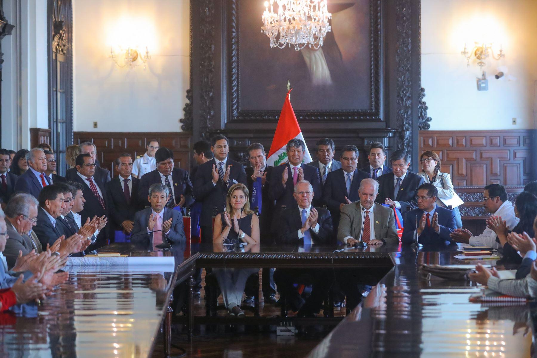Presidente Pedro Pablo Kuczynski participa del 7mo Gore-Ejecutivo, que reúne a ministros de Estado con los gobernadores regionales, en Palacio de Gobierno. Foto: ANDINA/Prensa Presidencia.