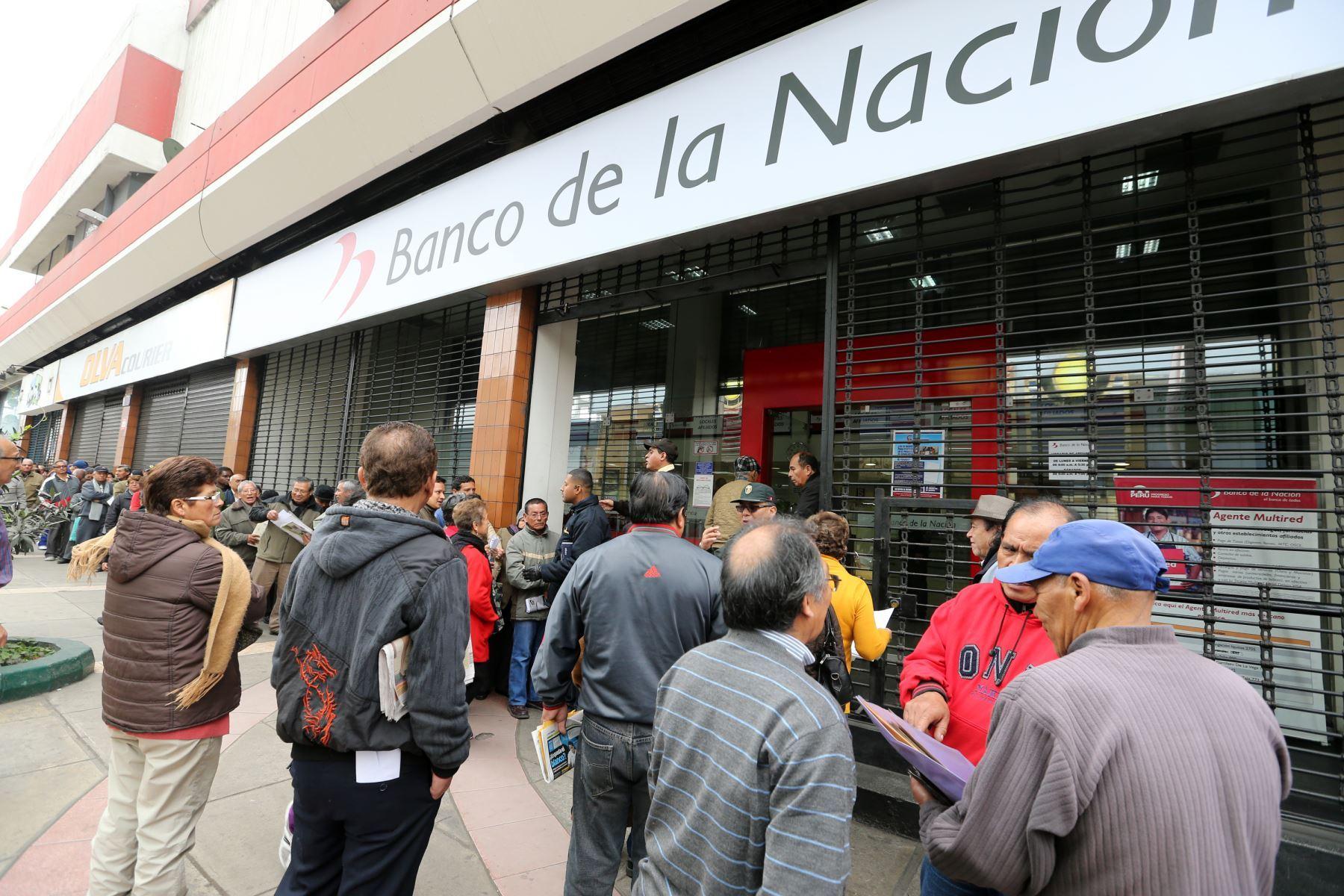Si no aceptan cancelar el crédito dado al propietario original, el bien pasa a manos del banco. Foto: ANDINA/Norman Córdova