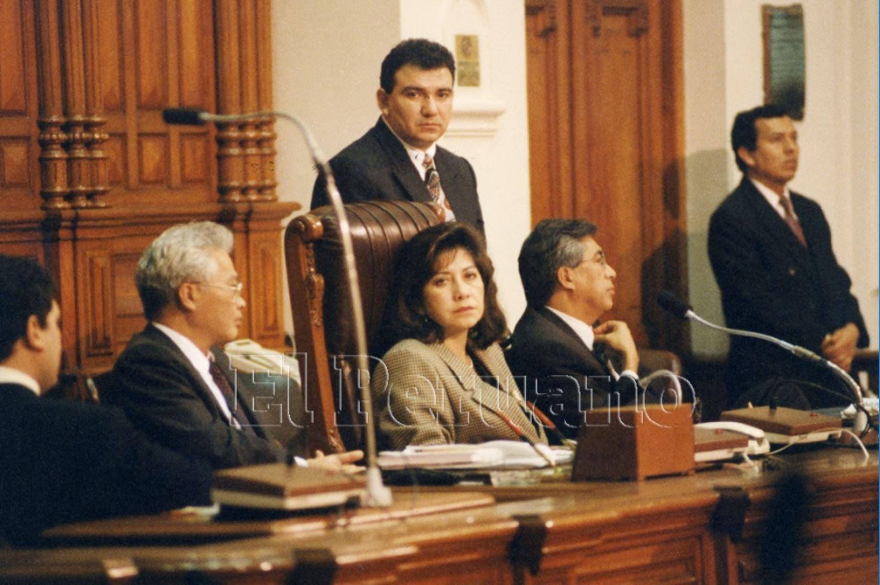 1990. Martha Chávez Cossio fue la primera mujer en ejercer la Presidencia del Congreso durante el gobierno de Alberto Fujimori.