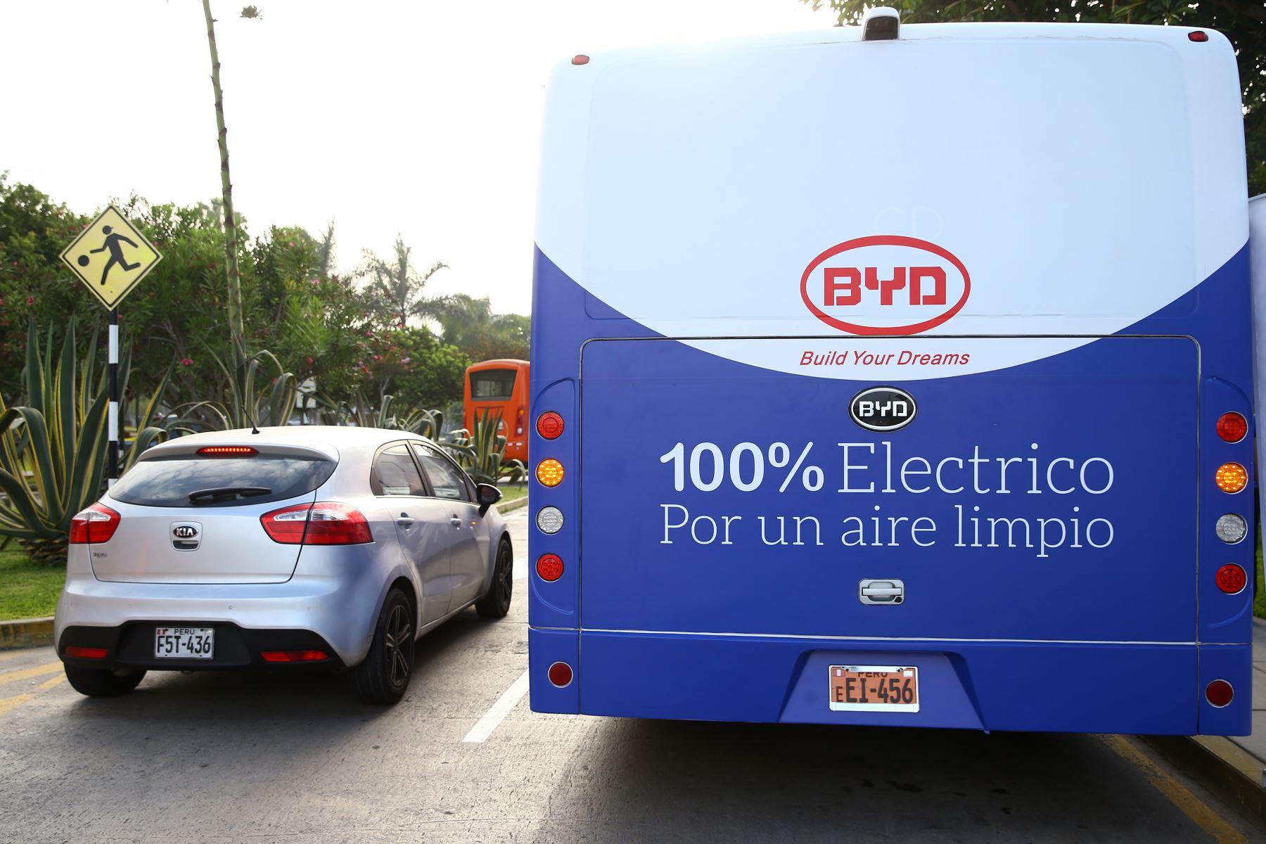 Primer bus eléctrico de transporte público. Foto: ANDINA/Melina Mejía