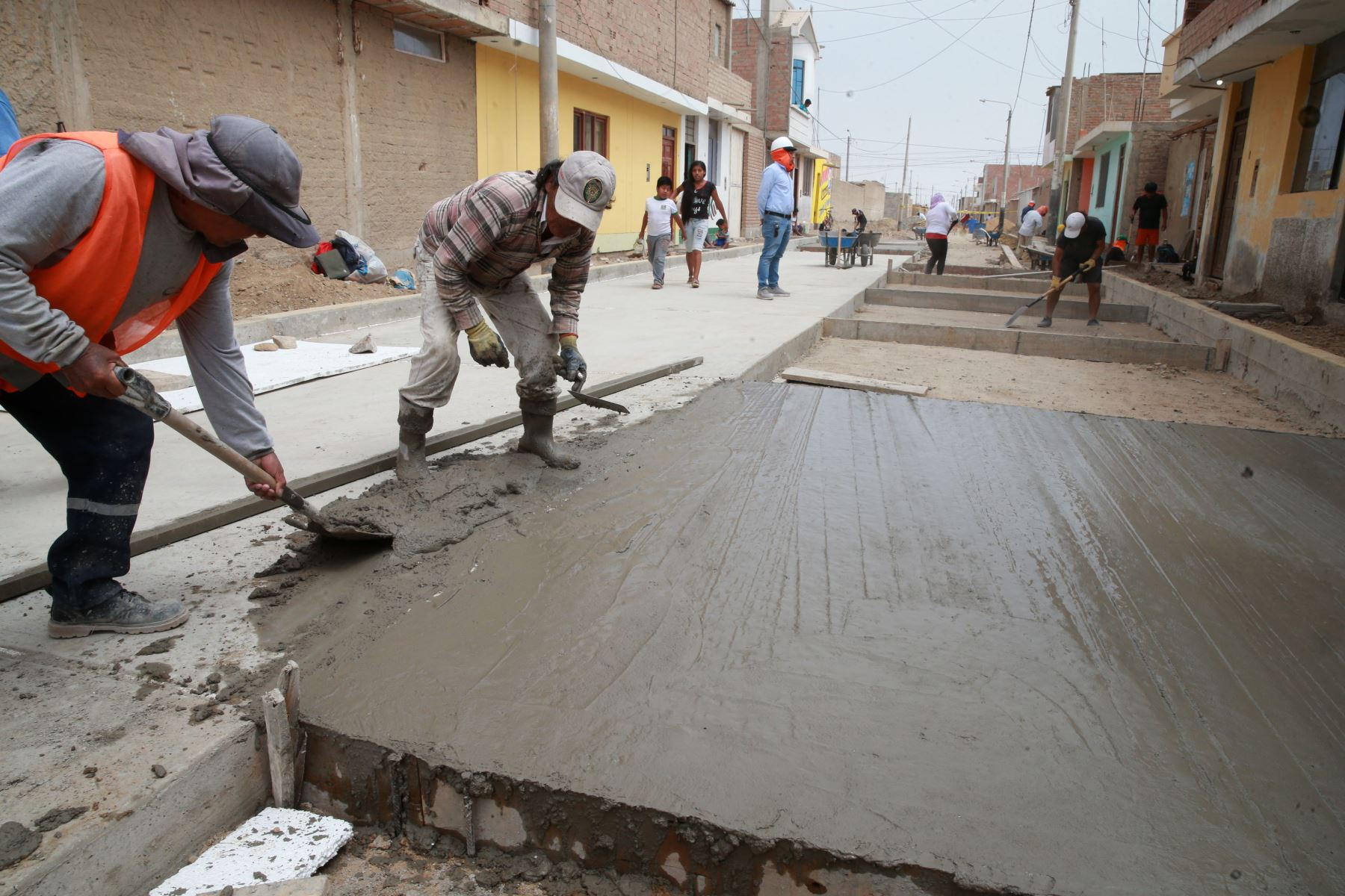 Obras de reconstrucción. ANDINA/Vidal Tarqui