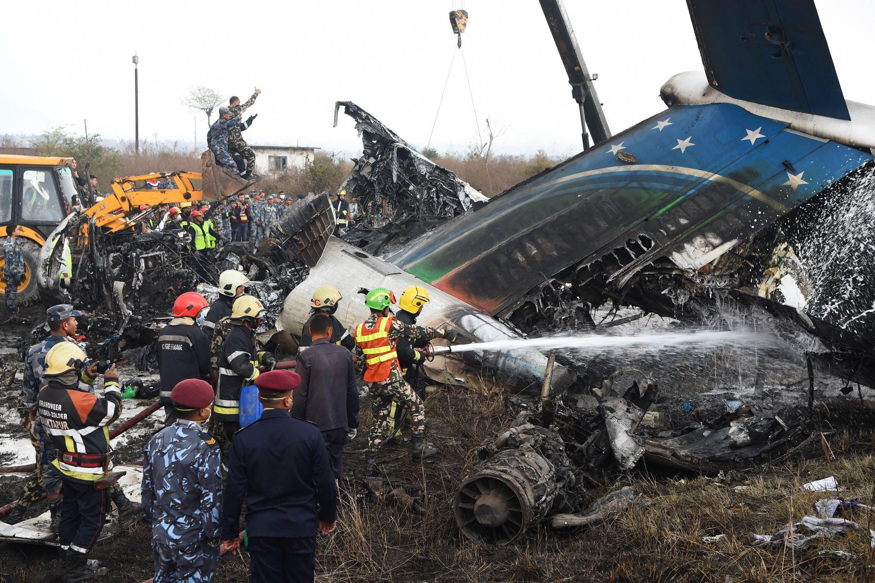 40 muertos y 23 heridos en avión que se estrelló en Nepal. Foto: AFP