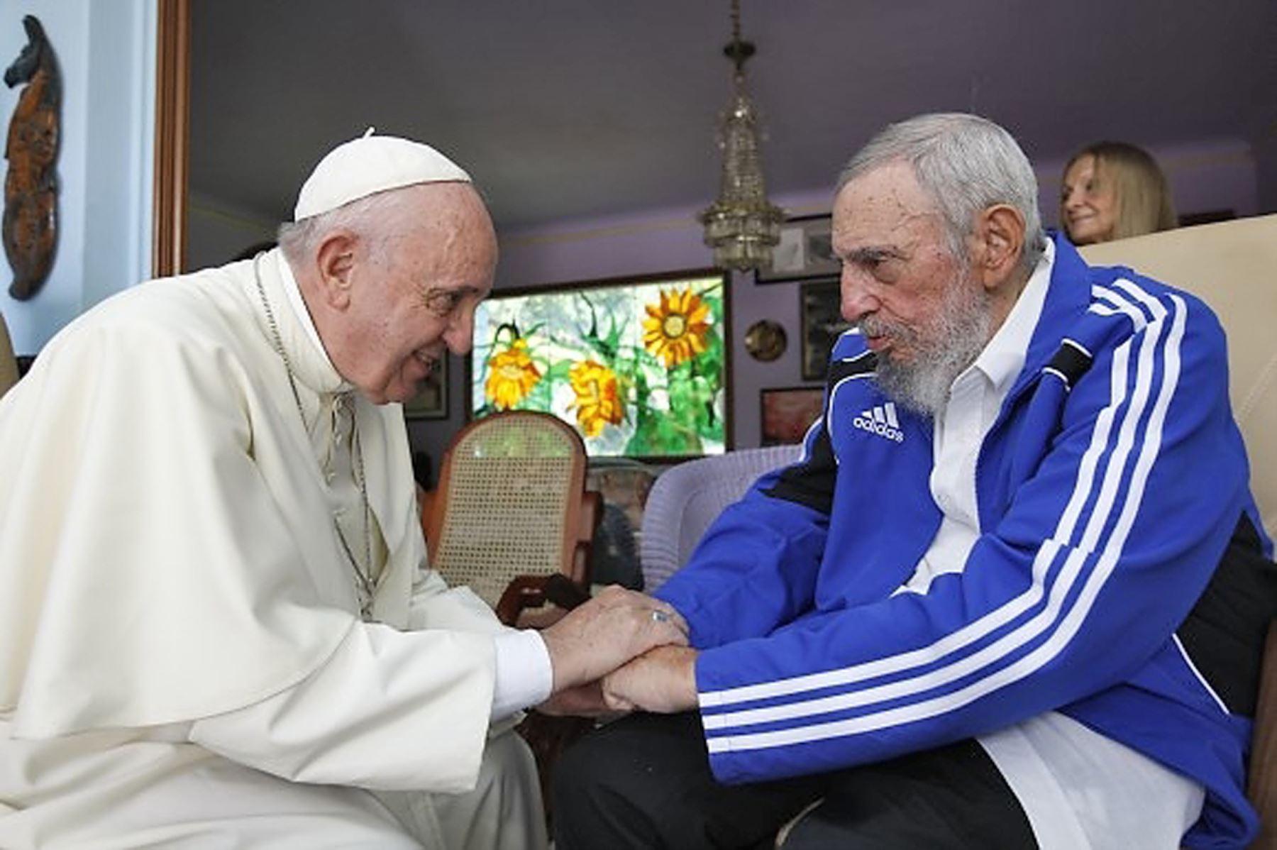 2015 Papa Francisco se encuentra con Fidel Castro en la Habana.Foto: AFP