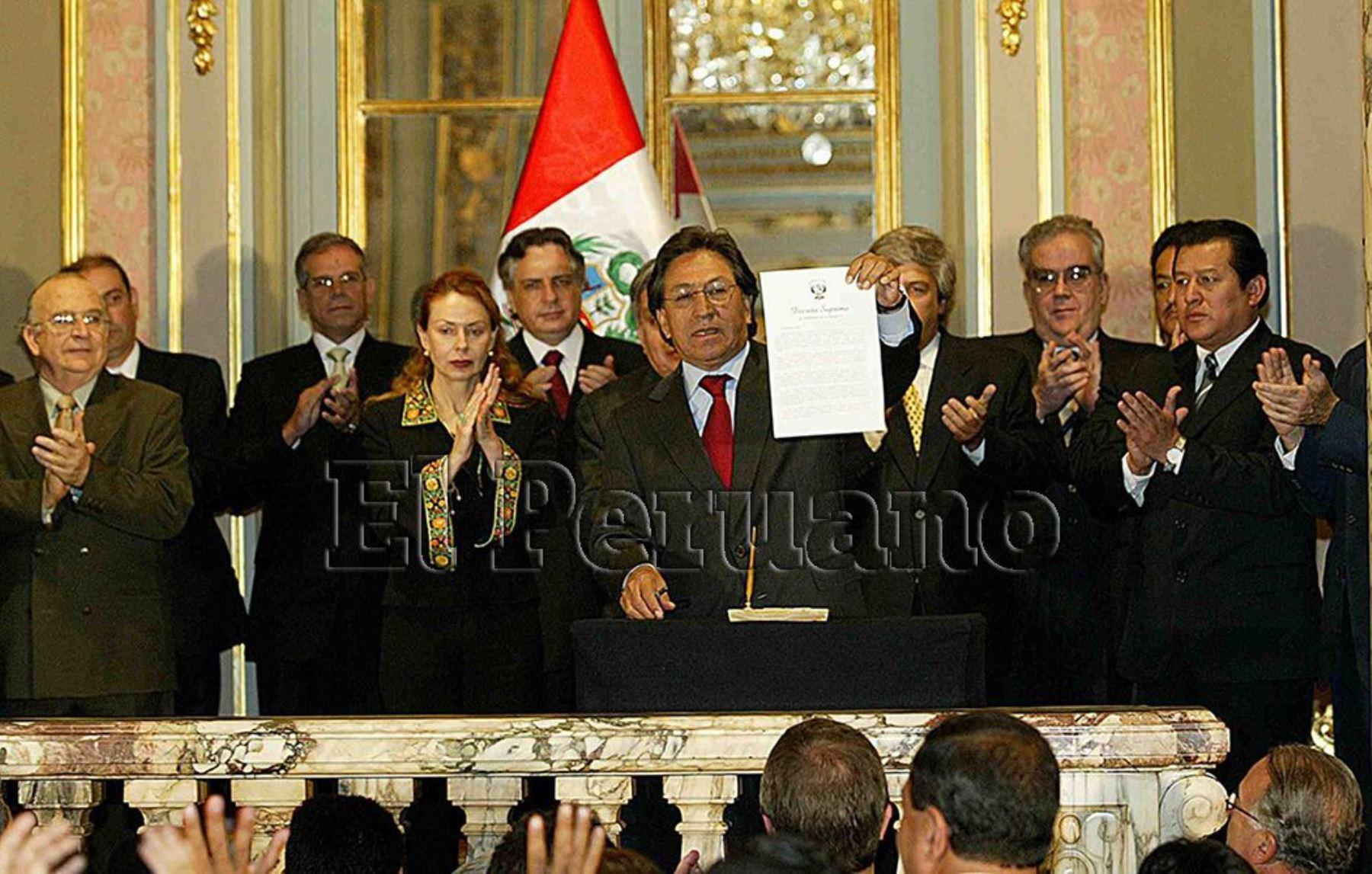 Su gobierno (2001-2006) se caracterizó por un buen desempeño en materia económica, pero también por una fuerte fragilidad en el ámbito político. Foto: ANDINA