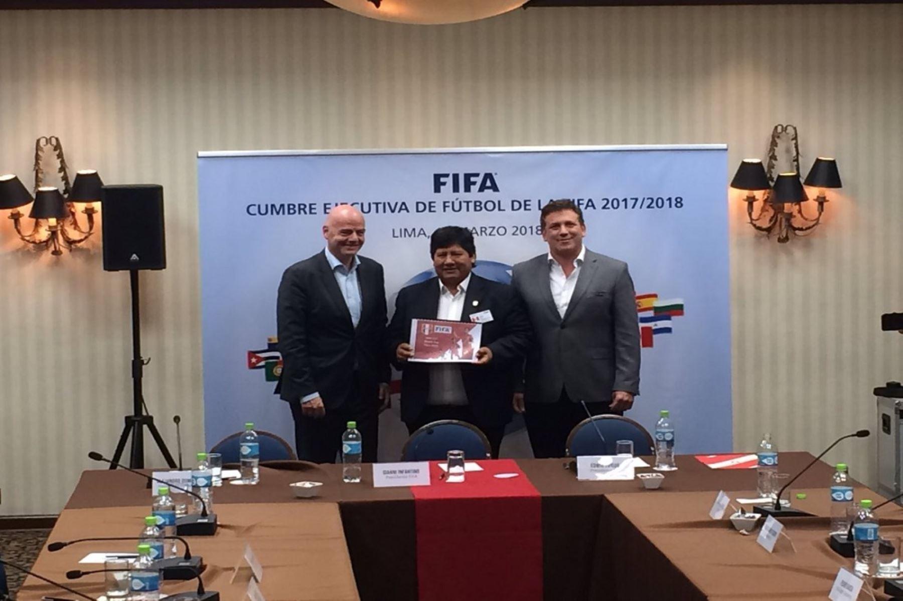 Infantino presidió la Cumbre Ejecutiva de FIFA en Lima y recibió la candidatura de Perú como sede del Mundial Sub17 2019