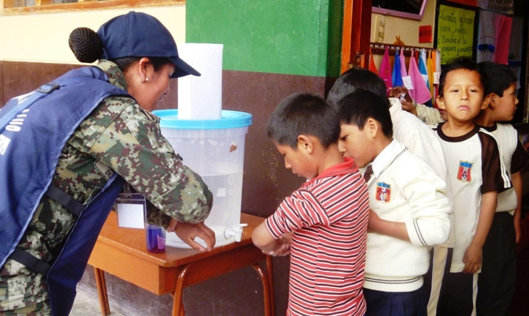 INS formará a 320 soldados por año como técnicos en salud pública. Foto: ANDINA/Difusión.