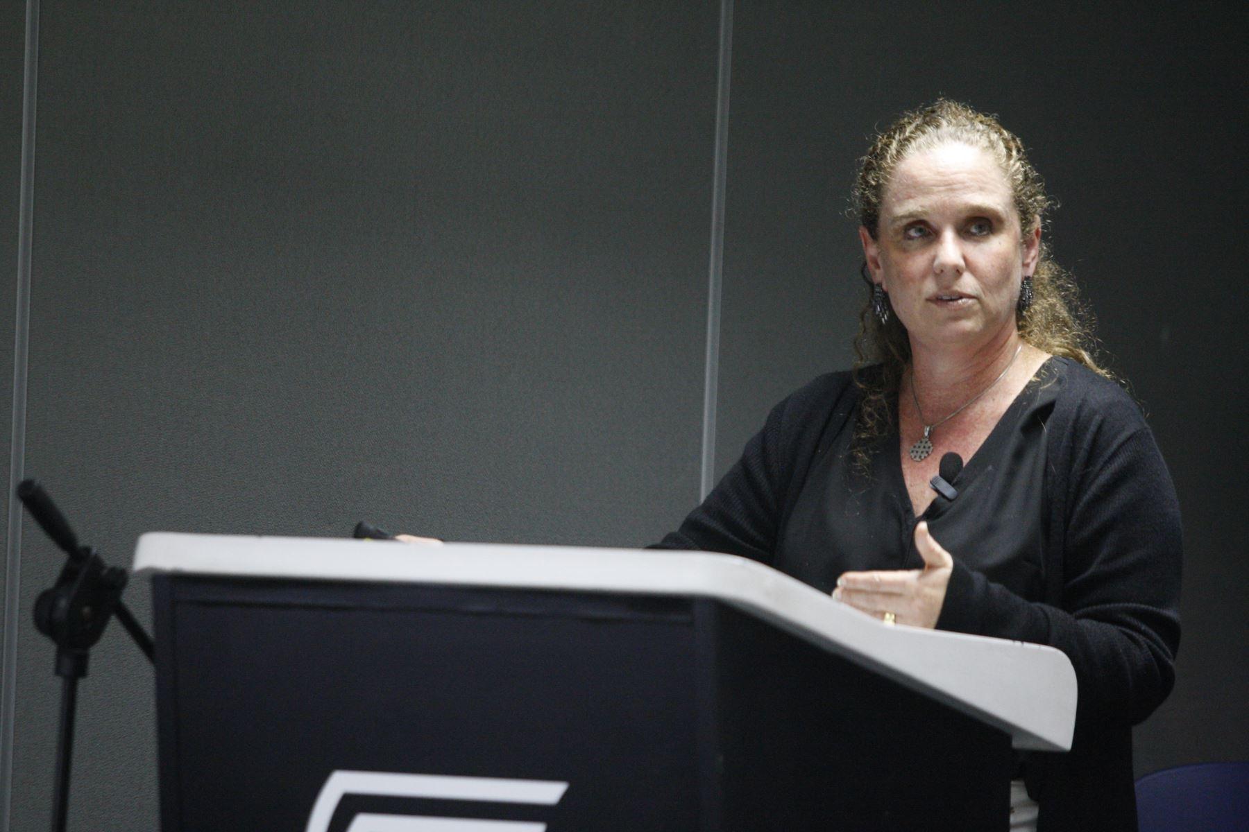 Ministra de Economía y Finanzas, Claudia Cooper. Foto: ANDINA/Eddy Ramos.