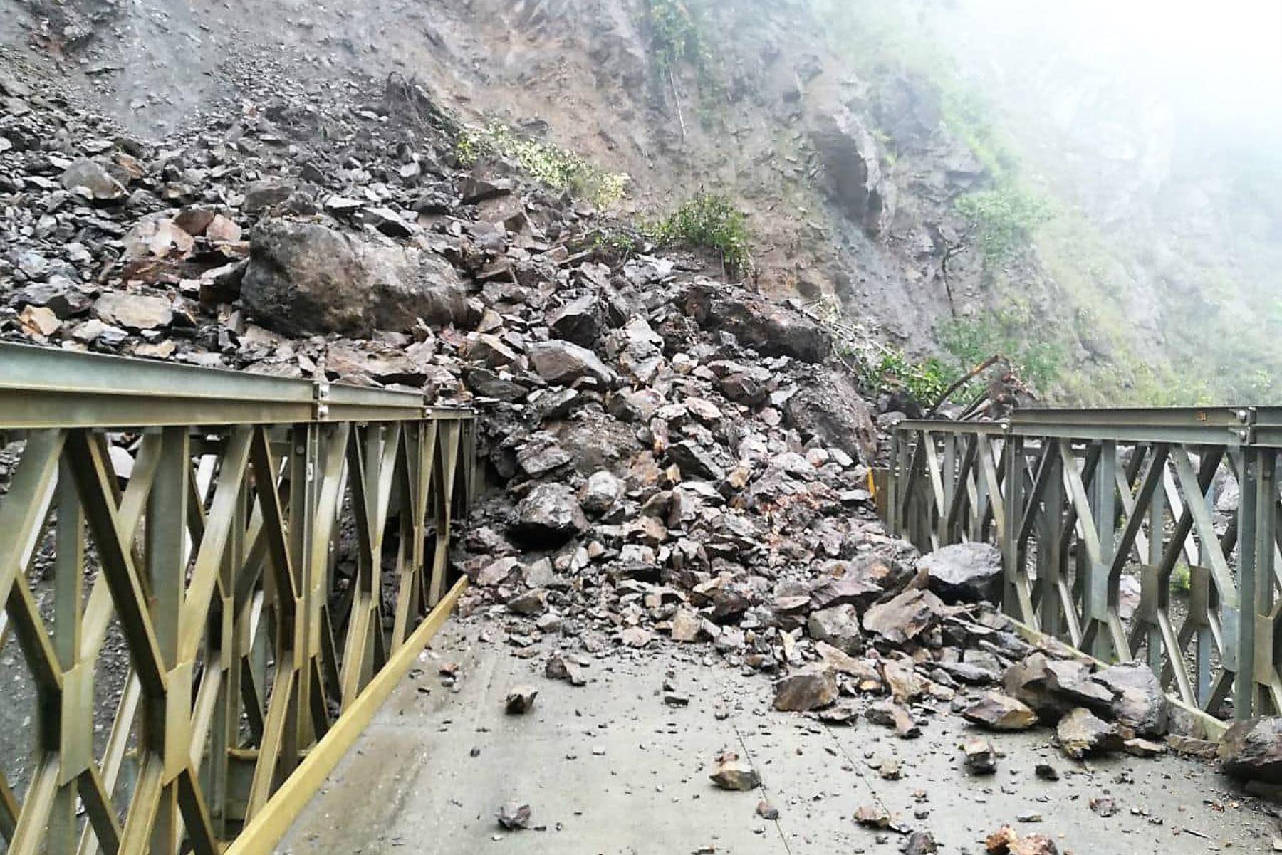 Un nuevo derrumbe bloquea tránsito en vía alterna a Machu Picchu. ANDINA