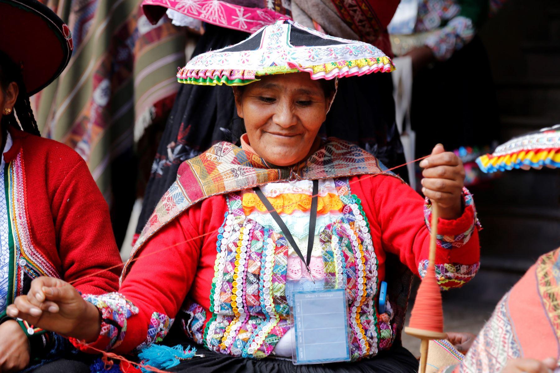 Mincetur saluda a los artesanos por el Día del Artesano Peruano.Foto:  ANDINA/Difusión