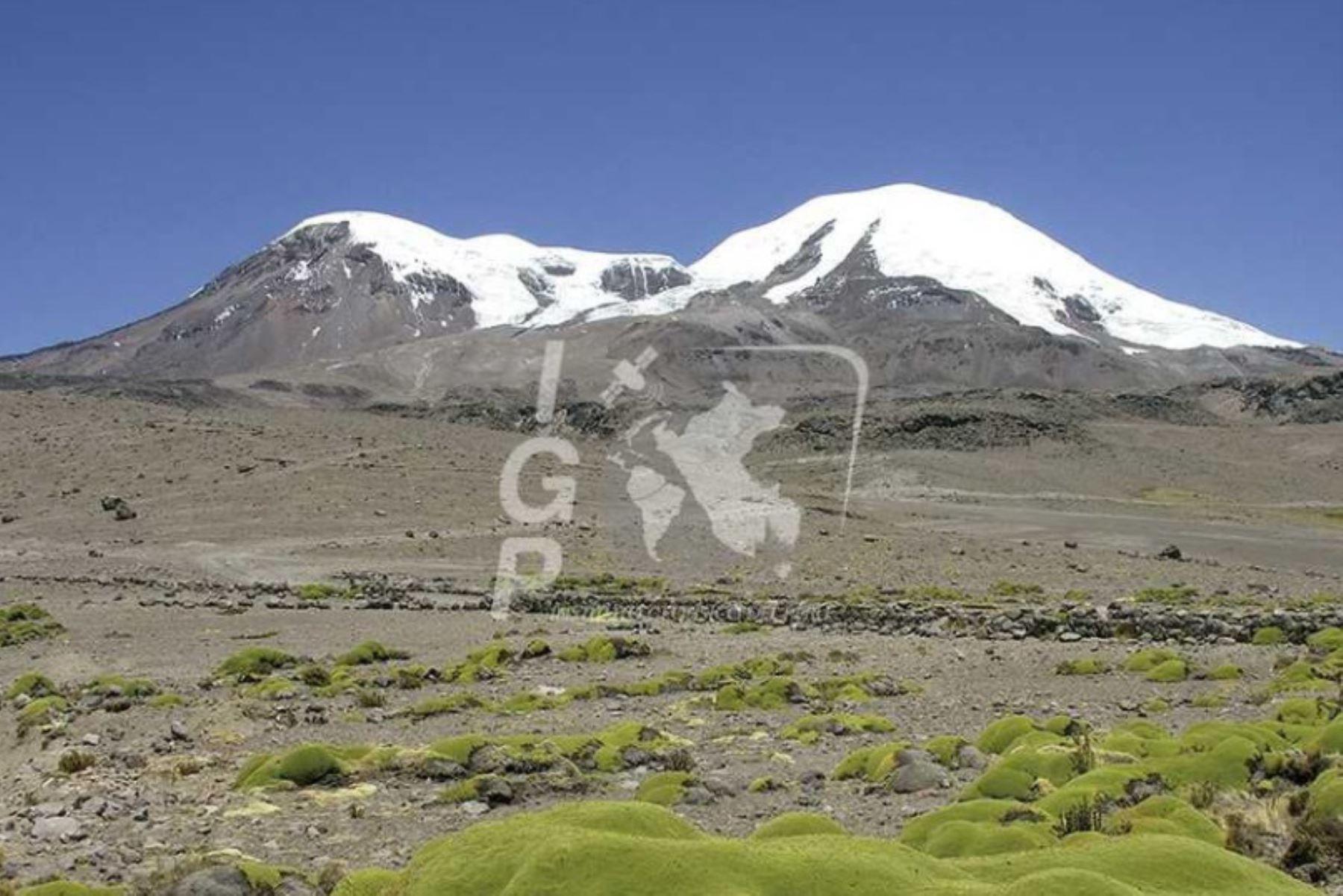 El volcán Coropuna tiene en su cercanía a pueblos con más de 25 mil habitantes, más de 13 mil hectáreas de cultivo y un potencial turístico que involucra su capa glaciar.ANDINA/Difusión