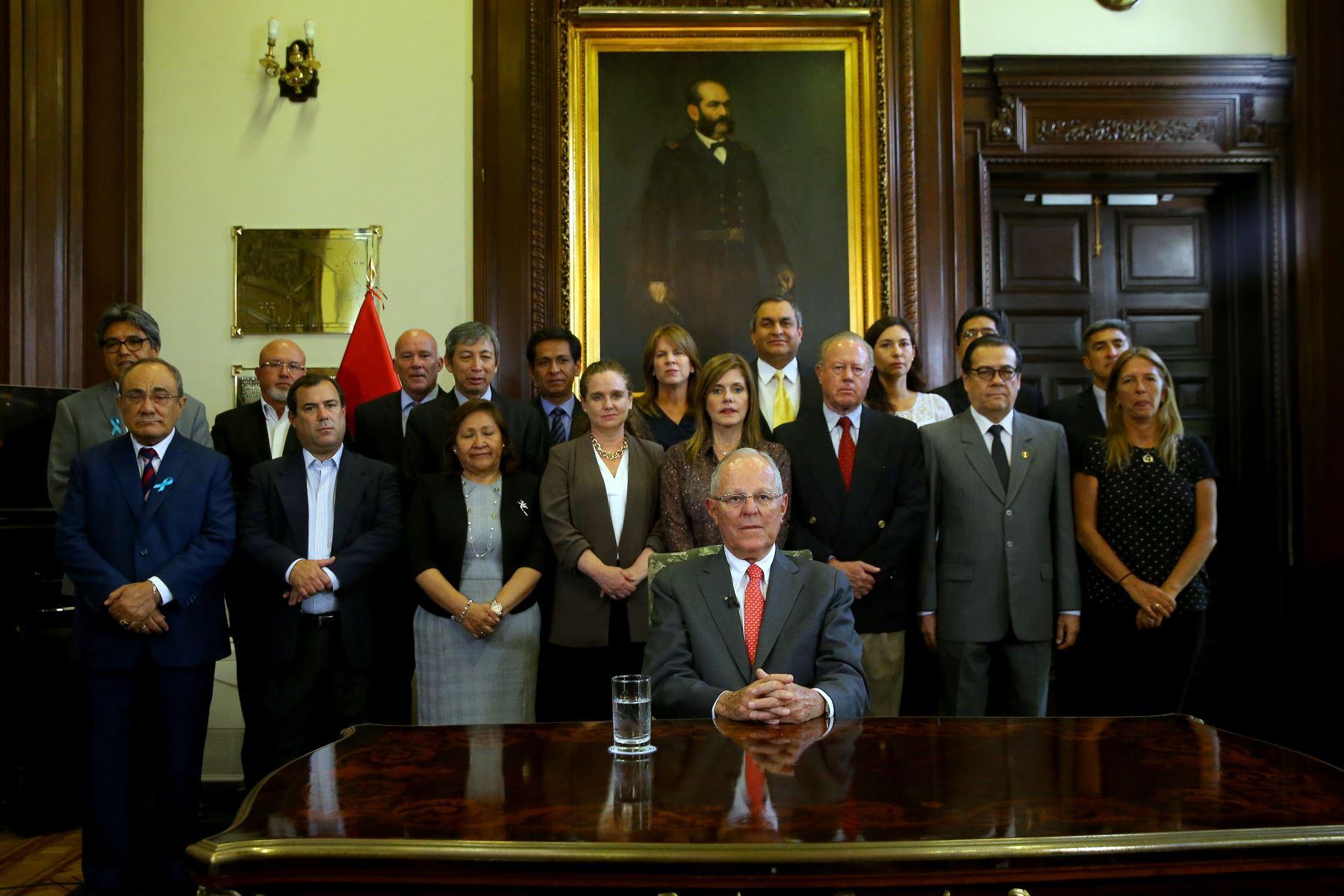 Renuncia de Pedro Pablo Kuczynski llegó al Congreso a las 14:43 horas |  Noticias | Agencia Peruana de Noticias Andina