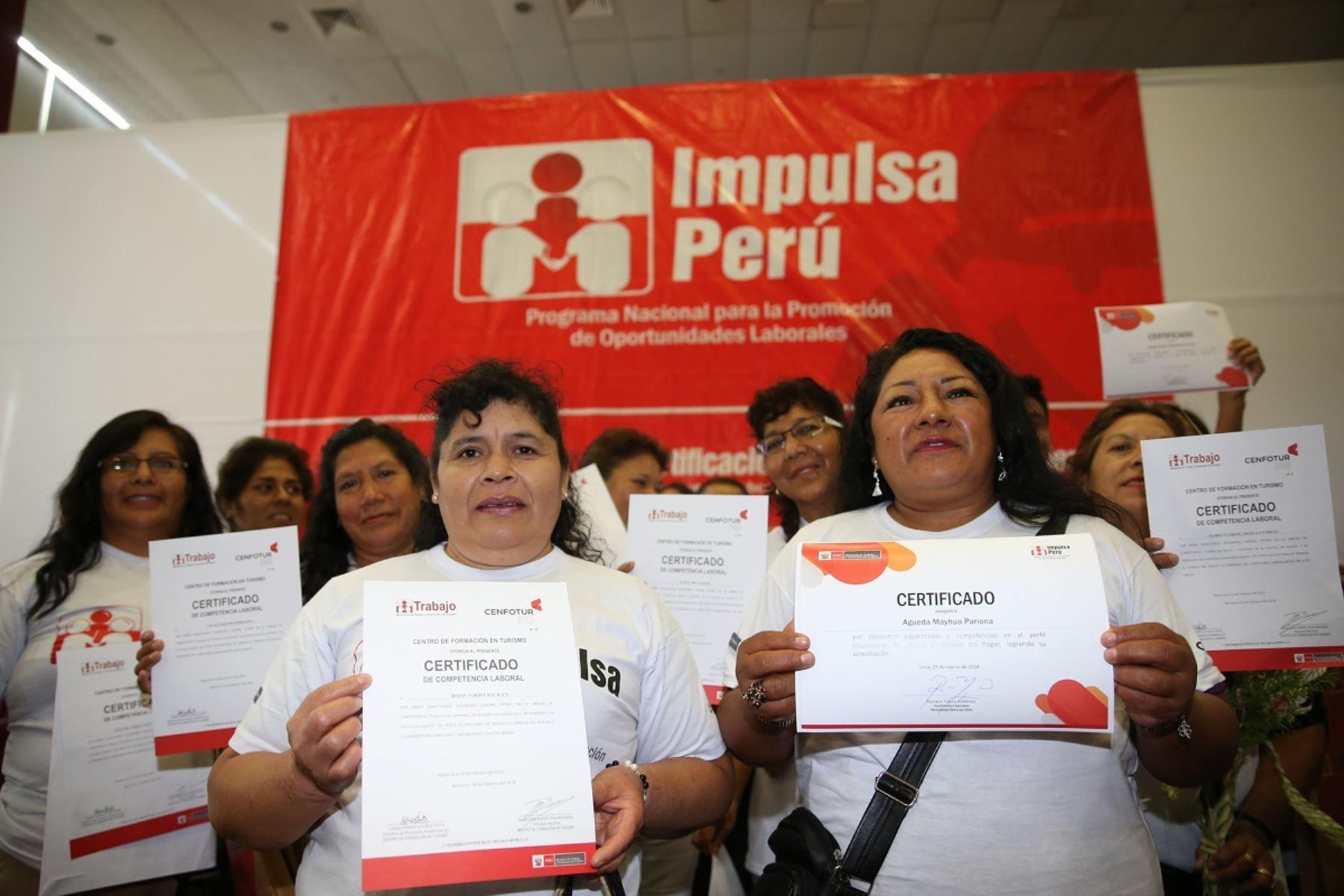 Trabajadoras del hogar certificadas por el Ministerio de Trabajo. Foto: Cortesía MTPE
